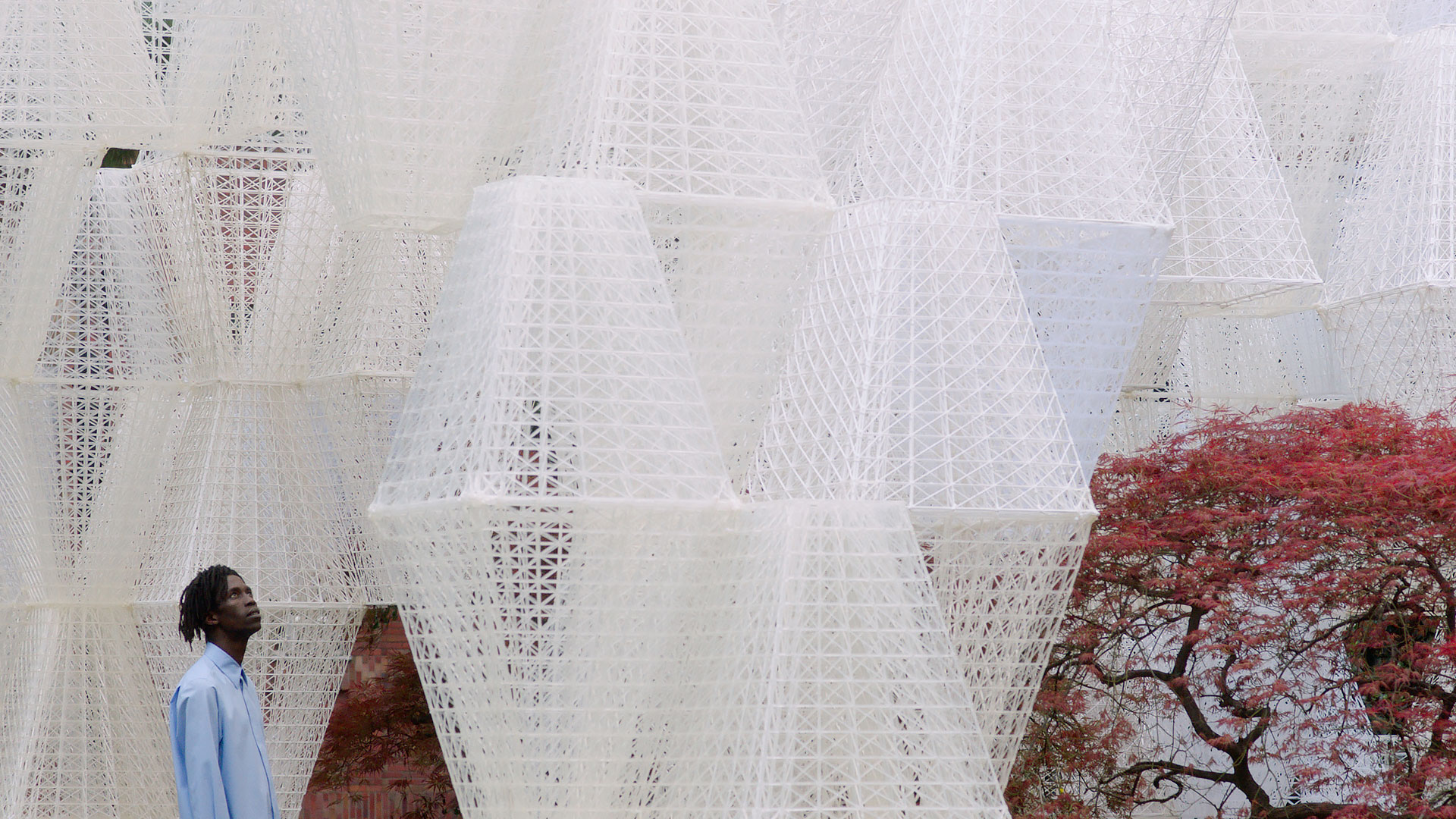 The large scale parametric structure made up of modular bio bricks| COS| Mamou Mani| Conifera| Salone del Mobile| STIR