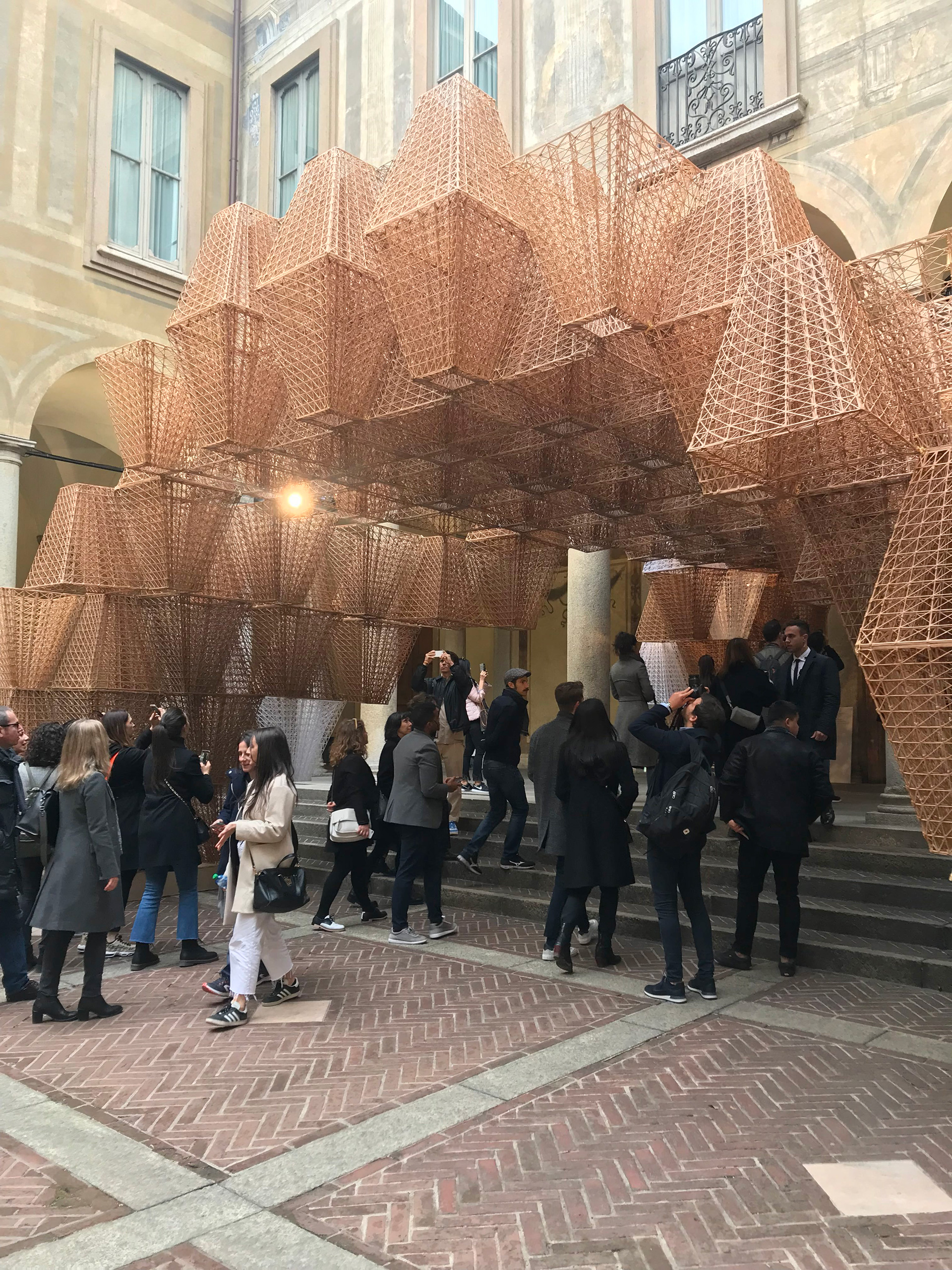 The structure was assembled using 700 bioplastic bricks| COS| Mamou Mani| Conifera| Salone del Mobile| STIR