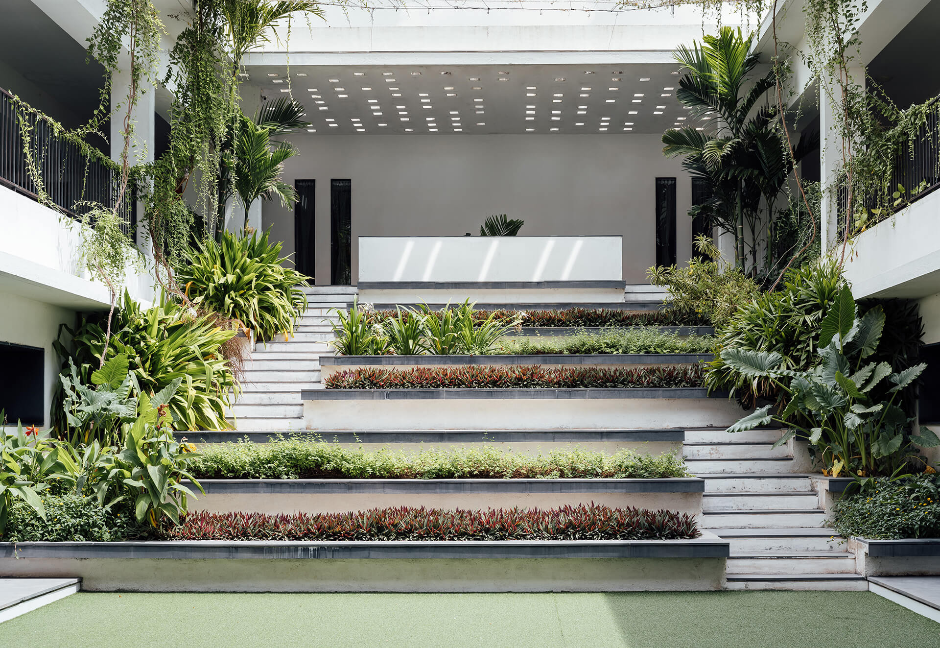 The main courtyard that provides circulation, a gathering space, and also a green relief in all the phases | The Northstar School by Shanmugam Associates | STIRworld
