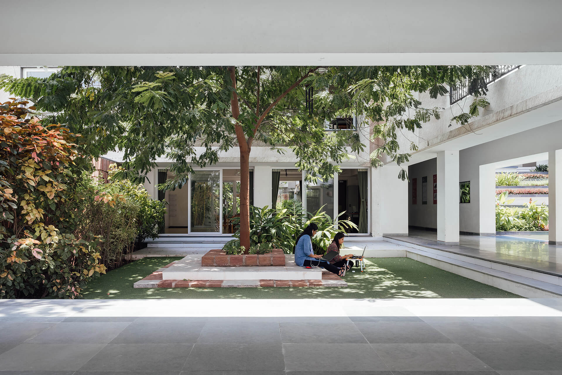 A virtual class session in progress in the courtyard | The Northstar School by Shanmugam Associates | STIRworld