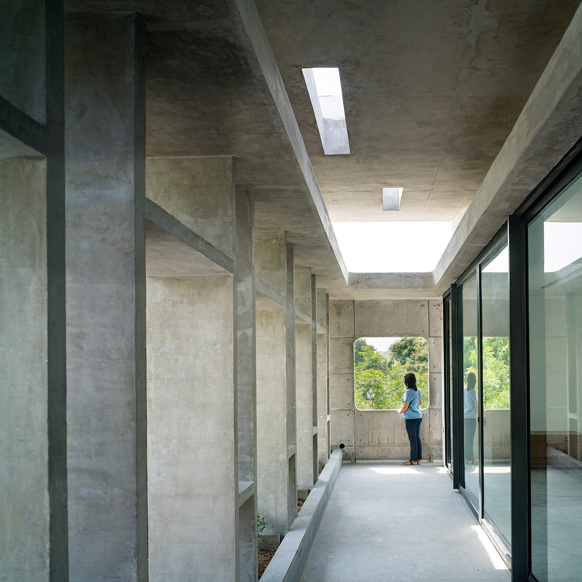 The core materiality of the house is cast-in-situ exposed concrete | Charged Voids | Chandigarh, India | STIRworld