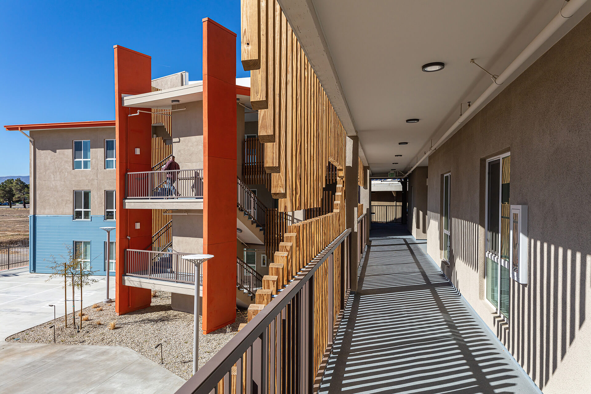 Wooden slats shade the southern façade | Hatch Colasuonno + Relativity Architects | California | STIRworld