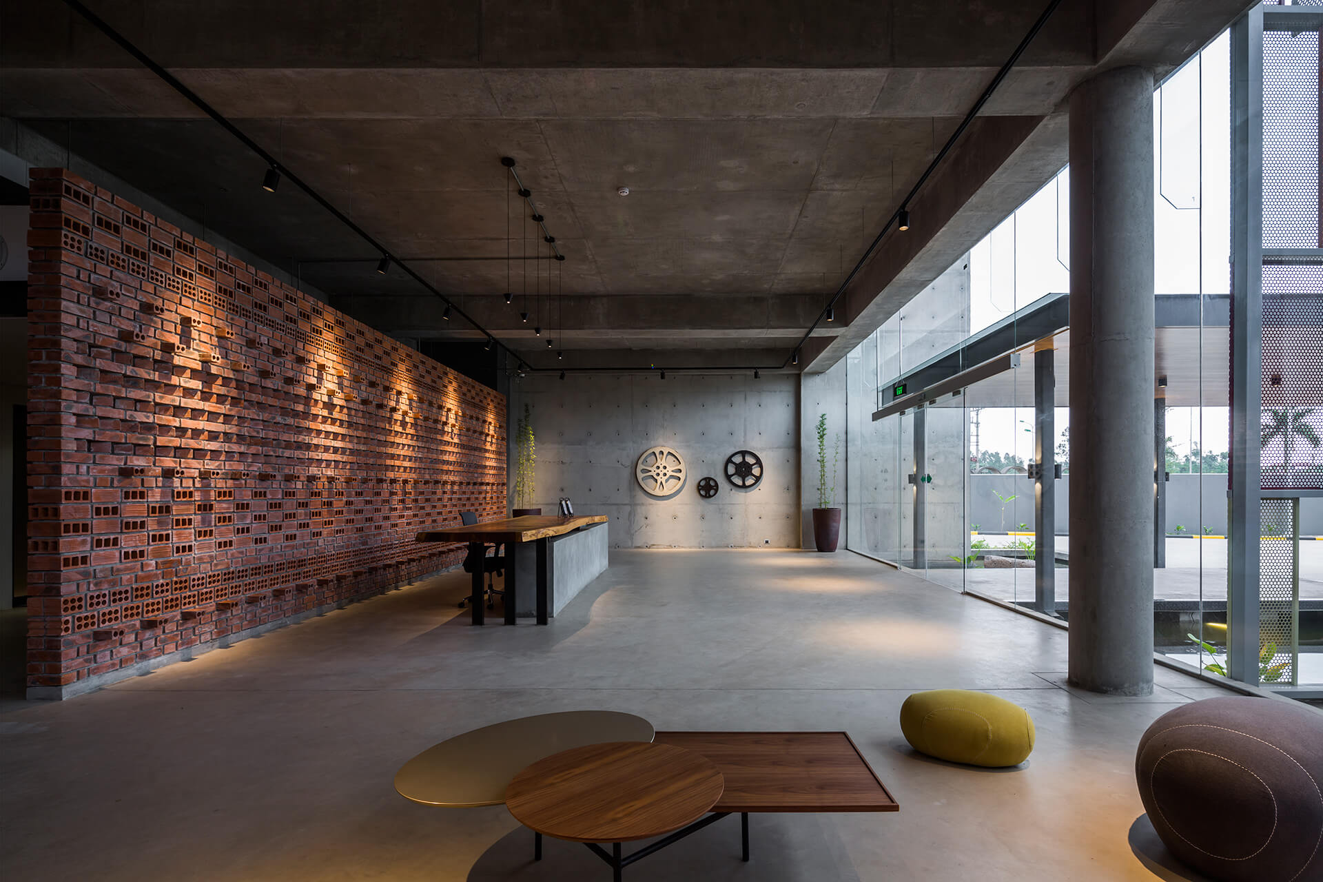 Administrative space in Hanoi, Vietnam | STAR Engineer's factory and office space | Studio VDGA | STIRworld
