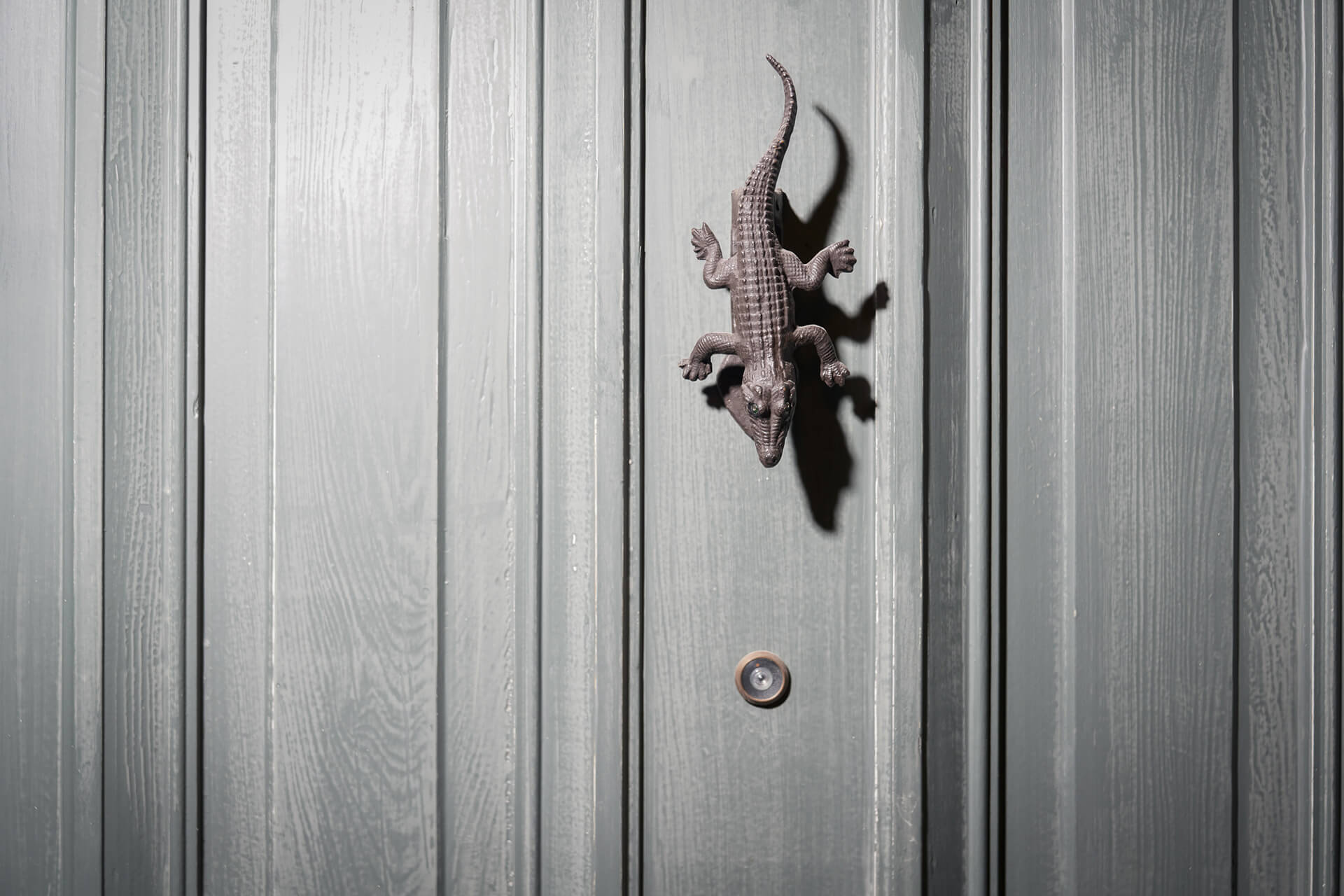Iron lizards become door knockers | The Chloe designed by Sara Costello | STIRworld