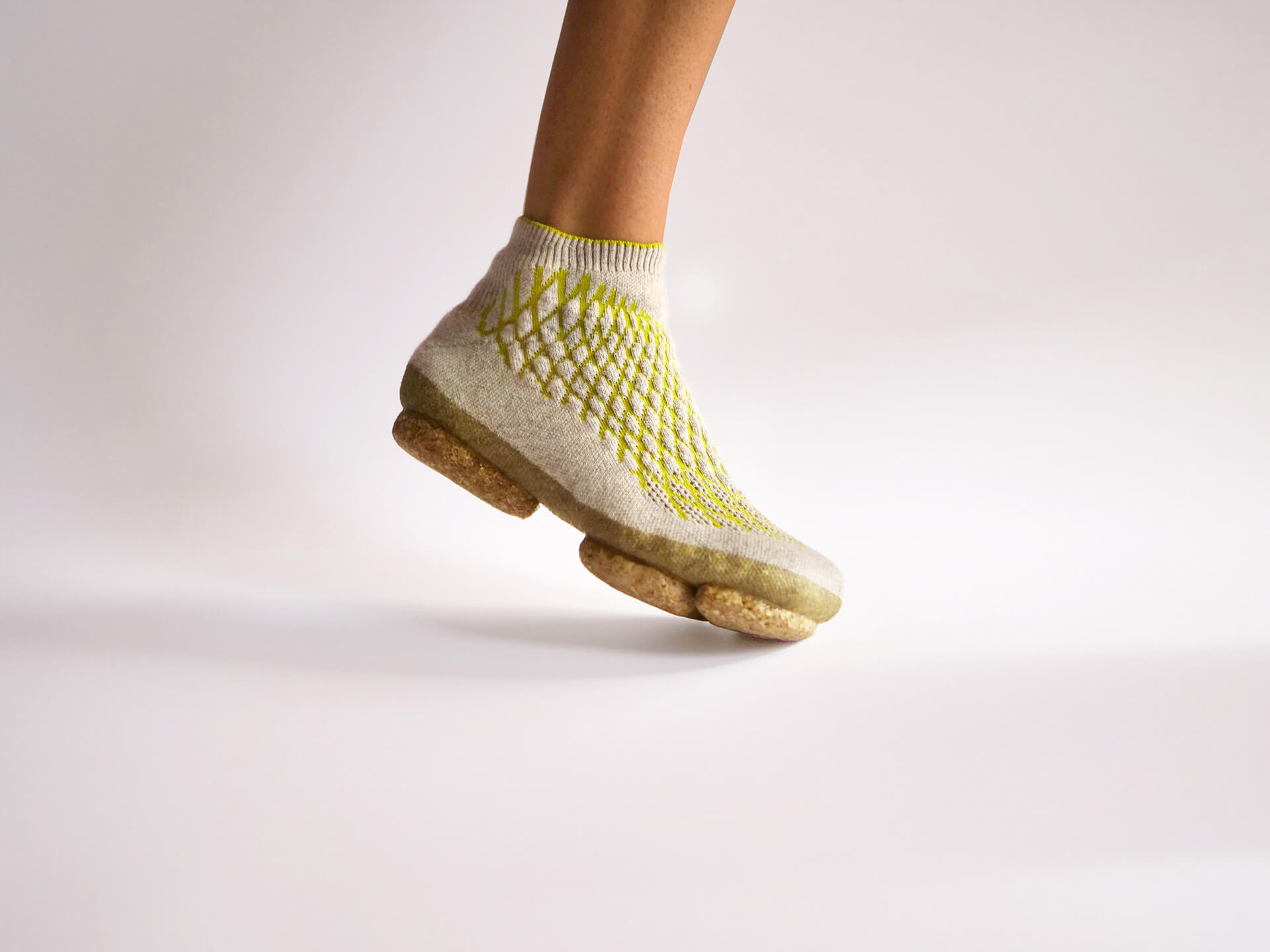 Sneature's membrane is constituted of Chiengora, a yarn derived from canine hair   Sneature bio-shoes   Emilie Burfeind   STIRworld