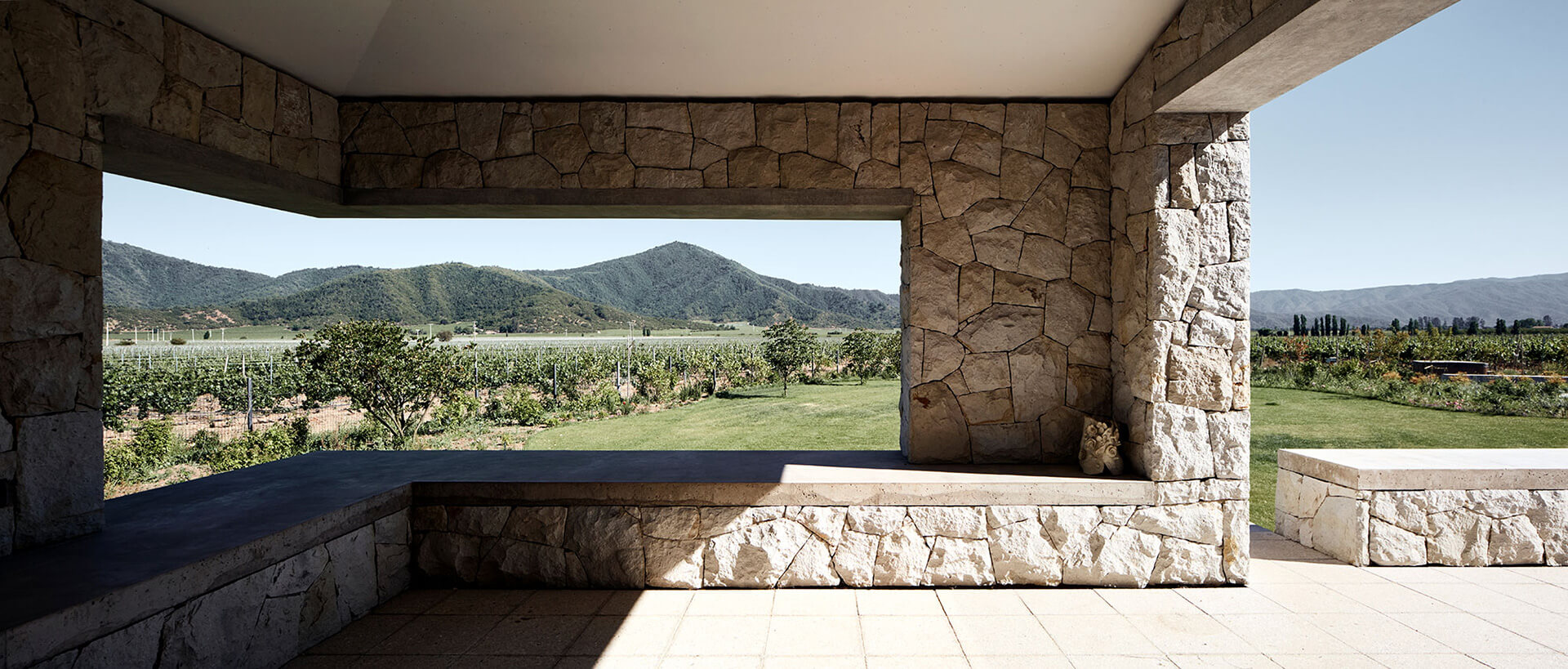 The design of Casa Tapihue lets residents enjoy the natural landscape | Matías Zegers | STIRworld