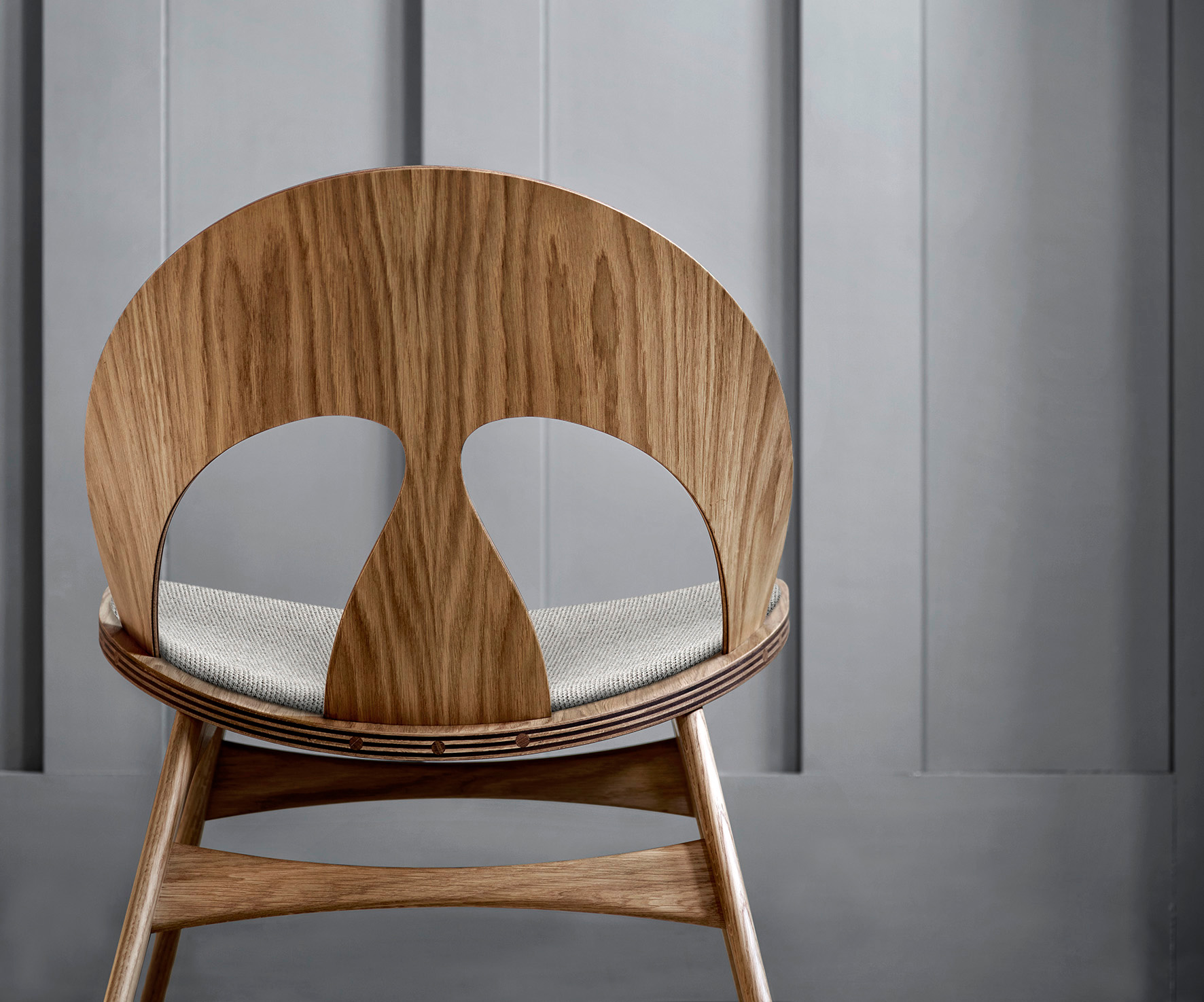 The backrest of the Contour chair | Contour chair by Børge Mogensen for Carl Hansen & Son | STIR
