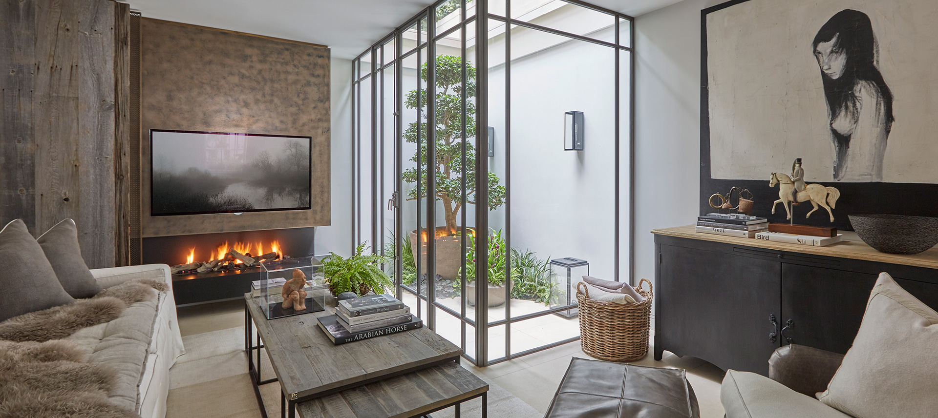 Open-to-sky little corners wash the living areas with natural light, making them look fresh and bright| Louise Bradley| London| STIR