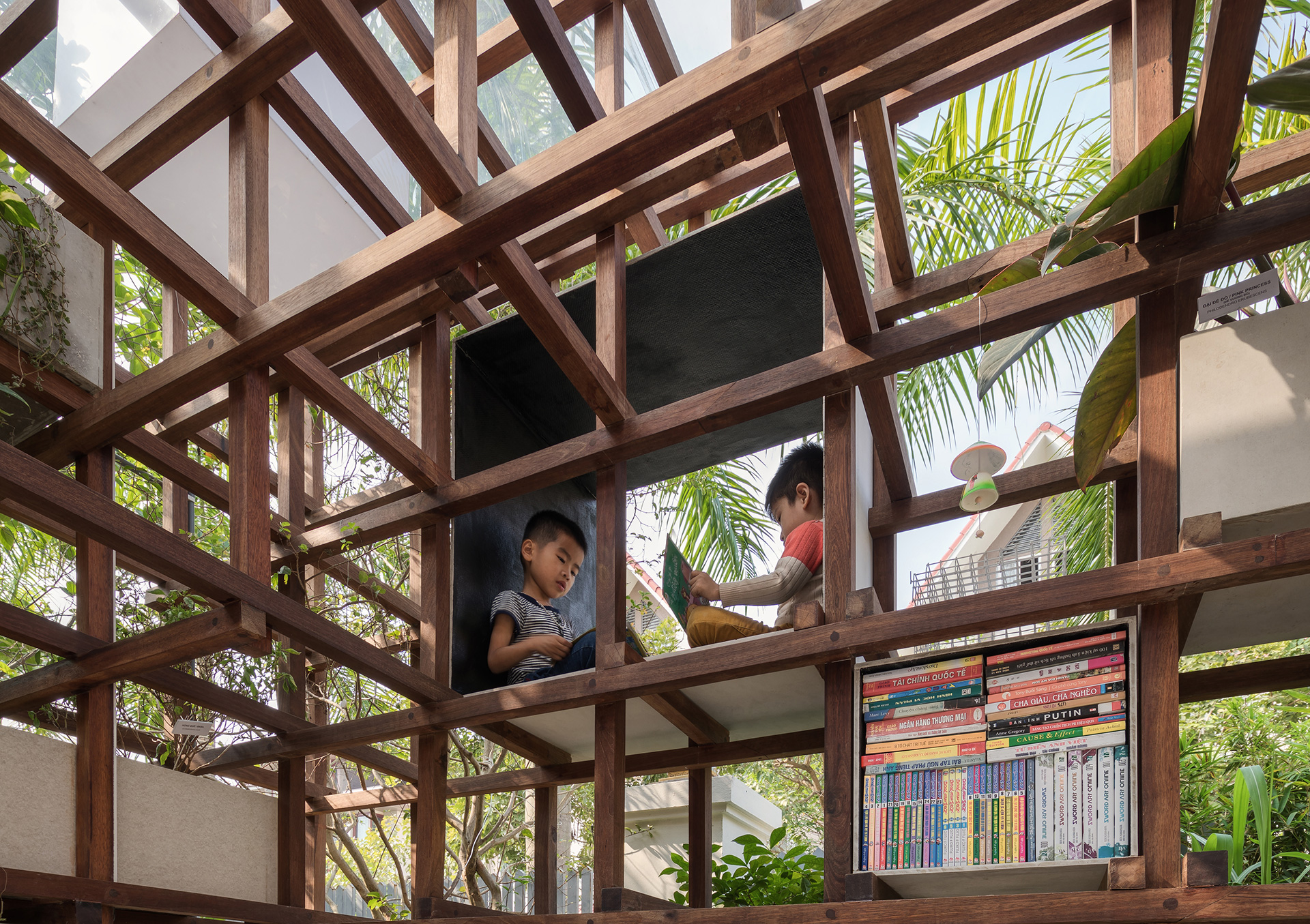 Slotted seating spaces within the climbing frame | VAC Library | Farming Architects | STIR
