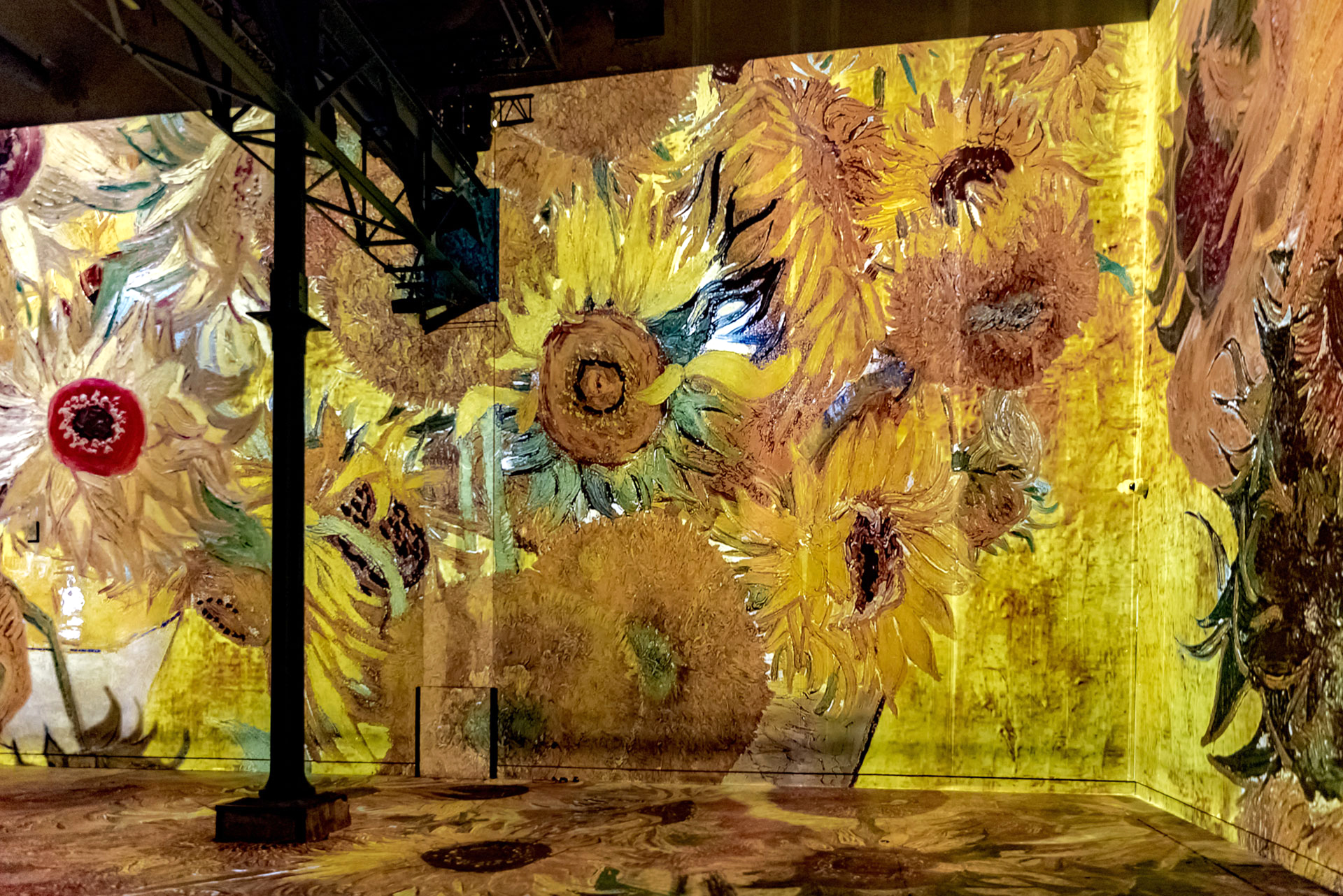 Simulation of the exhibition Gustav Klimt, Installation view 6| Gustav Klimt | Atelier des Lumières | STIR