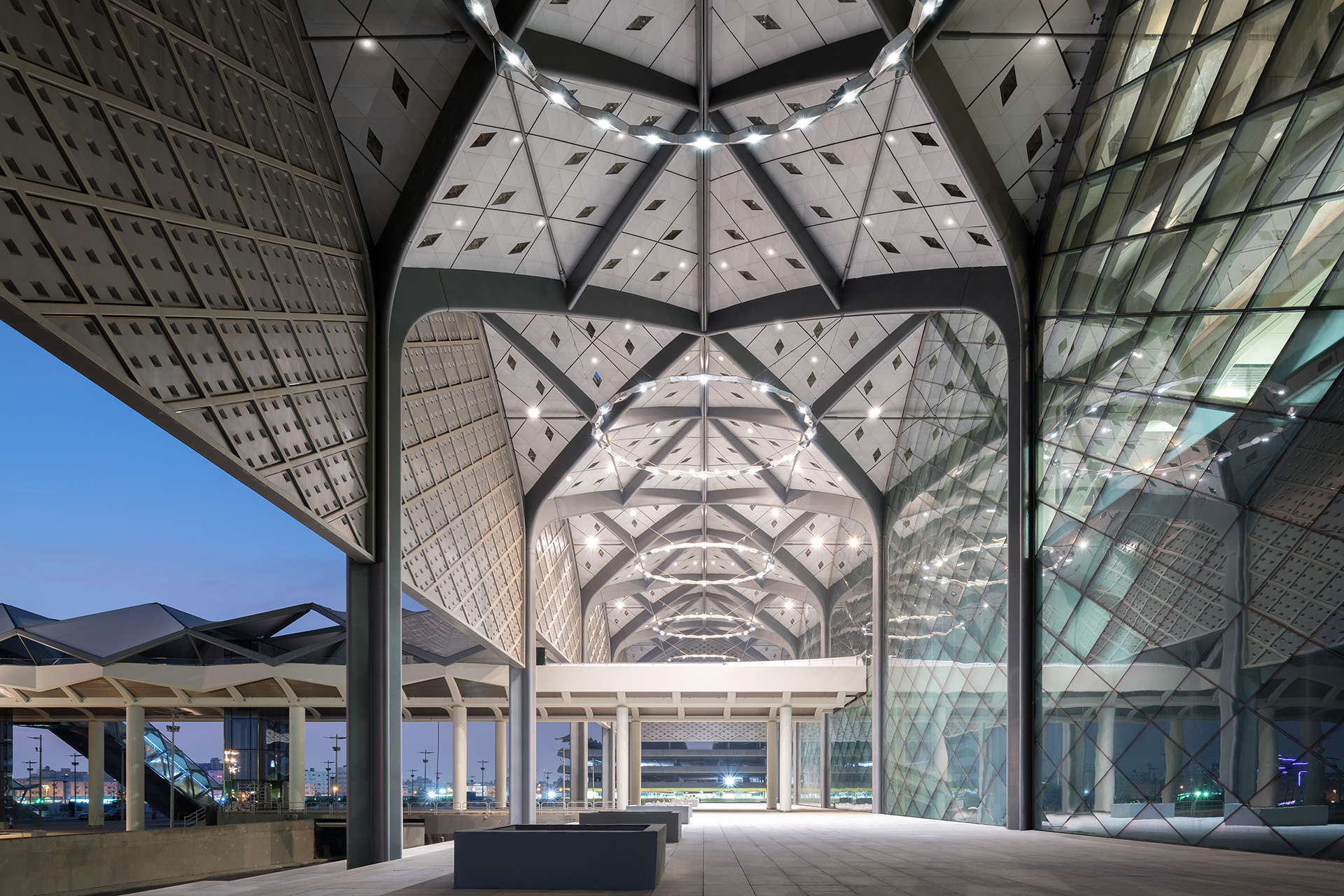 Each station also has shading screens contained within these arches, designed in collaboration with Saudi artist Zawiya, which express the local character – both materially and aesthetically | Haramain High Speed Rail | Foster + Partners| STIR