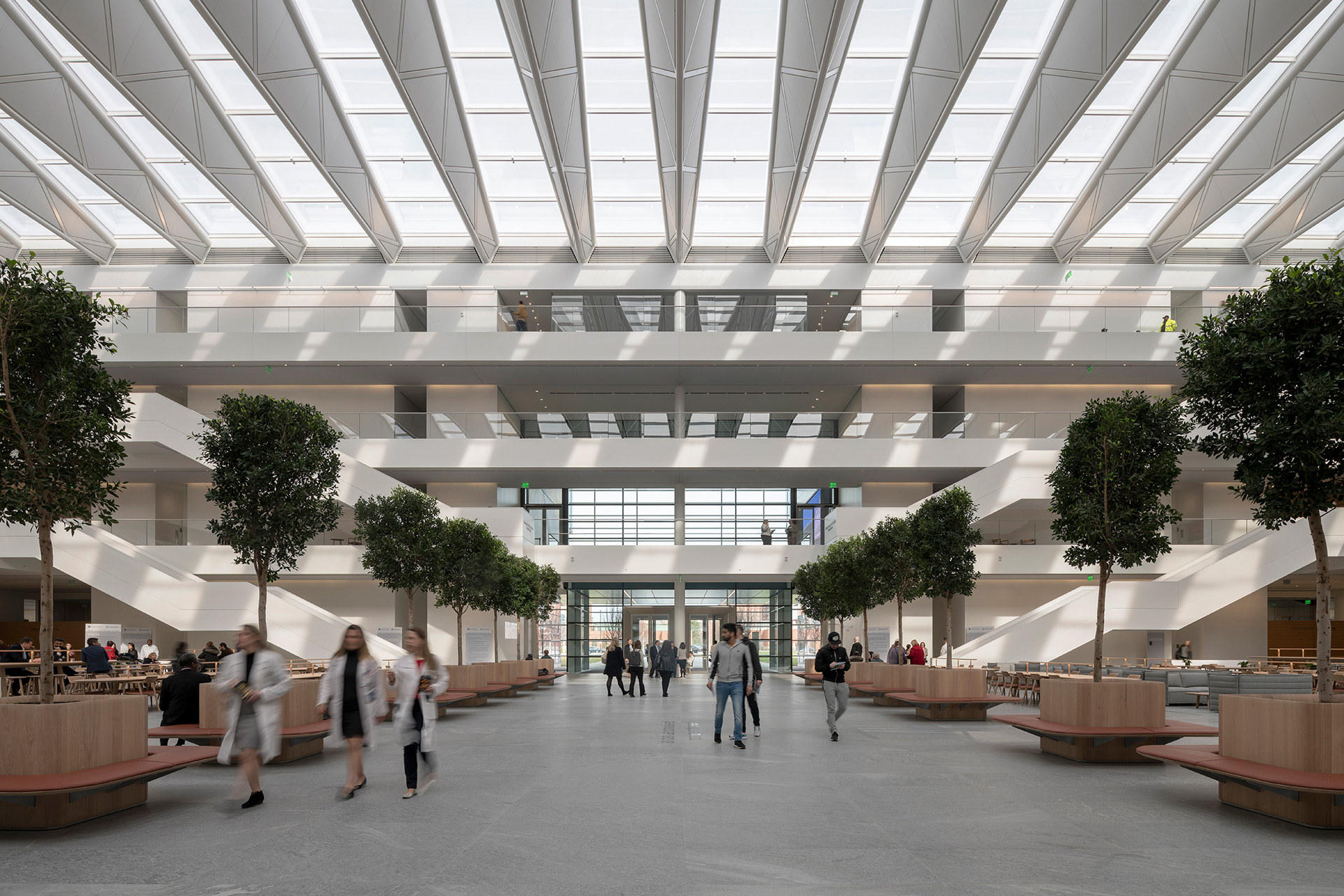 The heart of the structure – the Delos M. Cosgrove courtyard | Cleveland Clinic | Foster + Partners | STIR