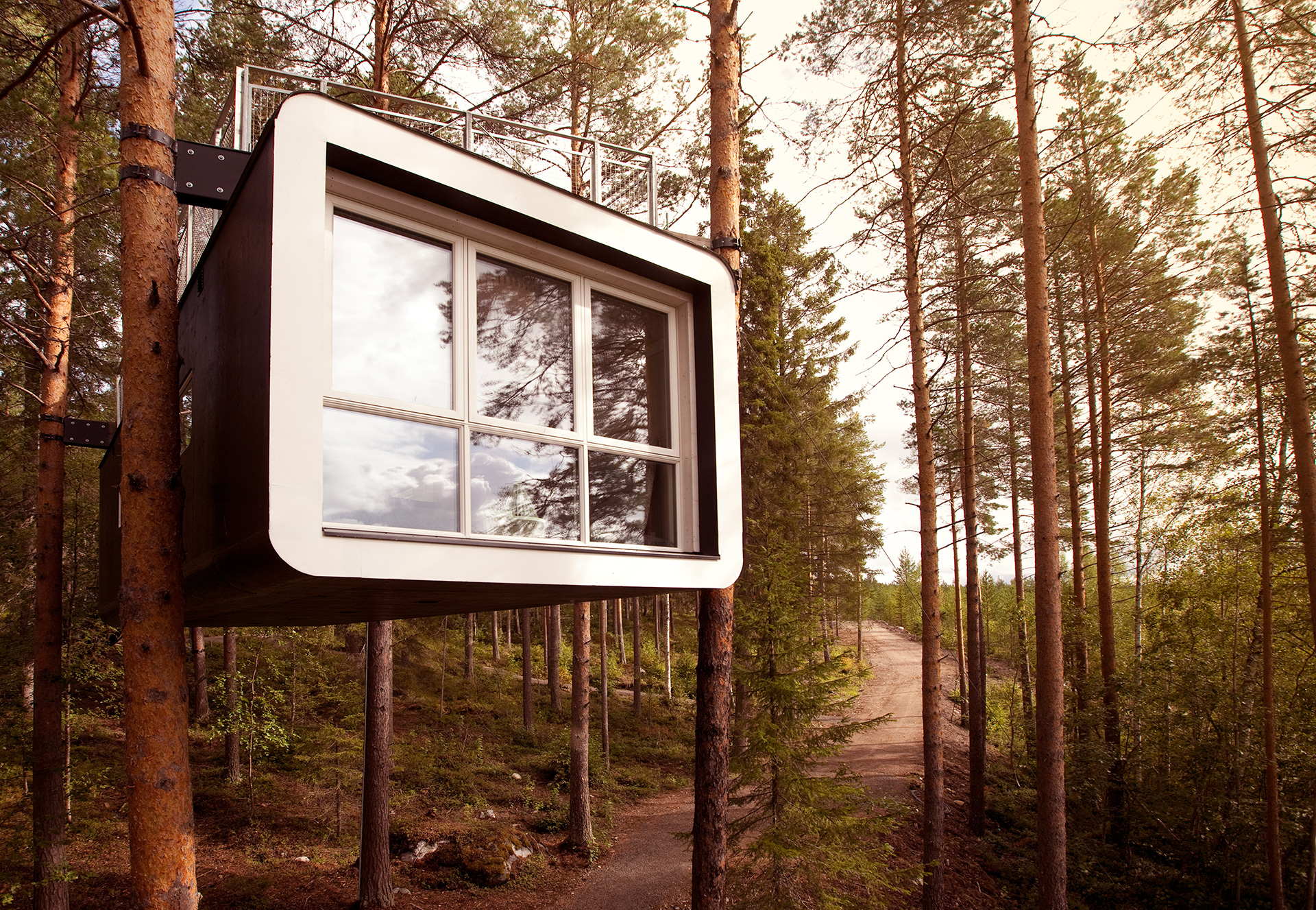 The Cabin was constructed in 2010 by Cyren and Cyren architects. It has been designed for two people with one double bed | Treehotel | Kent, Britta Lindvall | STIR