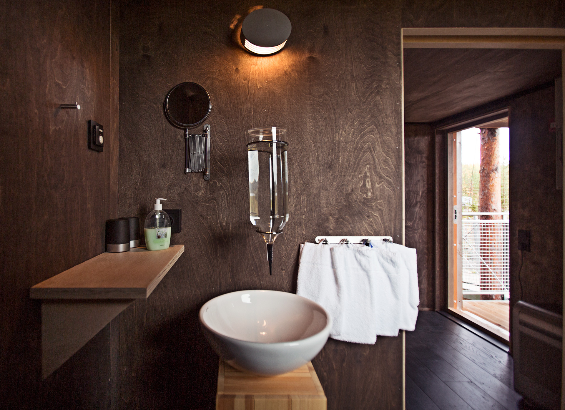 Bathrooms have water-efficient sinks with running water | Treehotel | Kent, Britta Lindvall | STIR