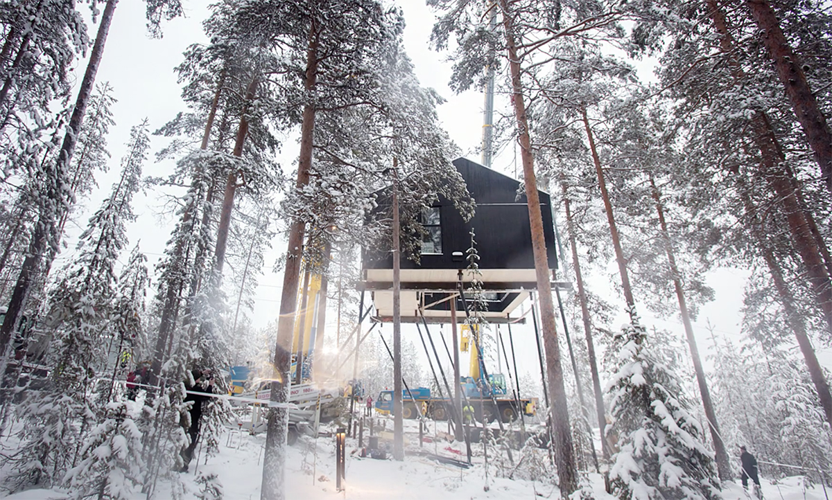 Time lapse of the 7th Room, constructed in 2016 by Snøhetta. It has been designed for five people people with two double beds and a bed sofa  | Treehotel | Kent, Britta Lindvall | STIR