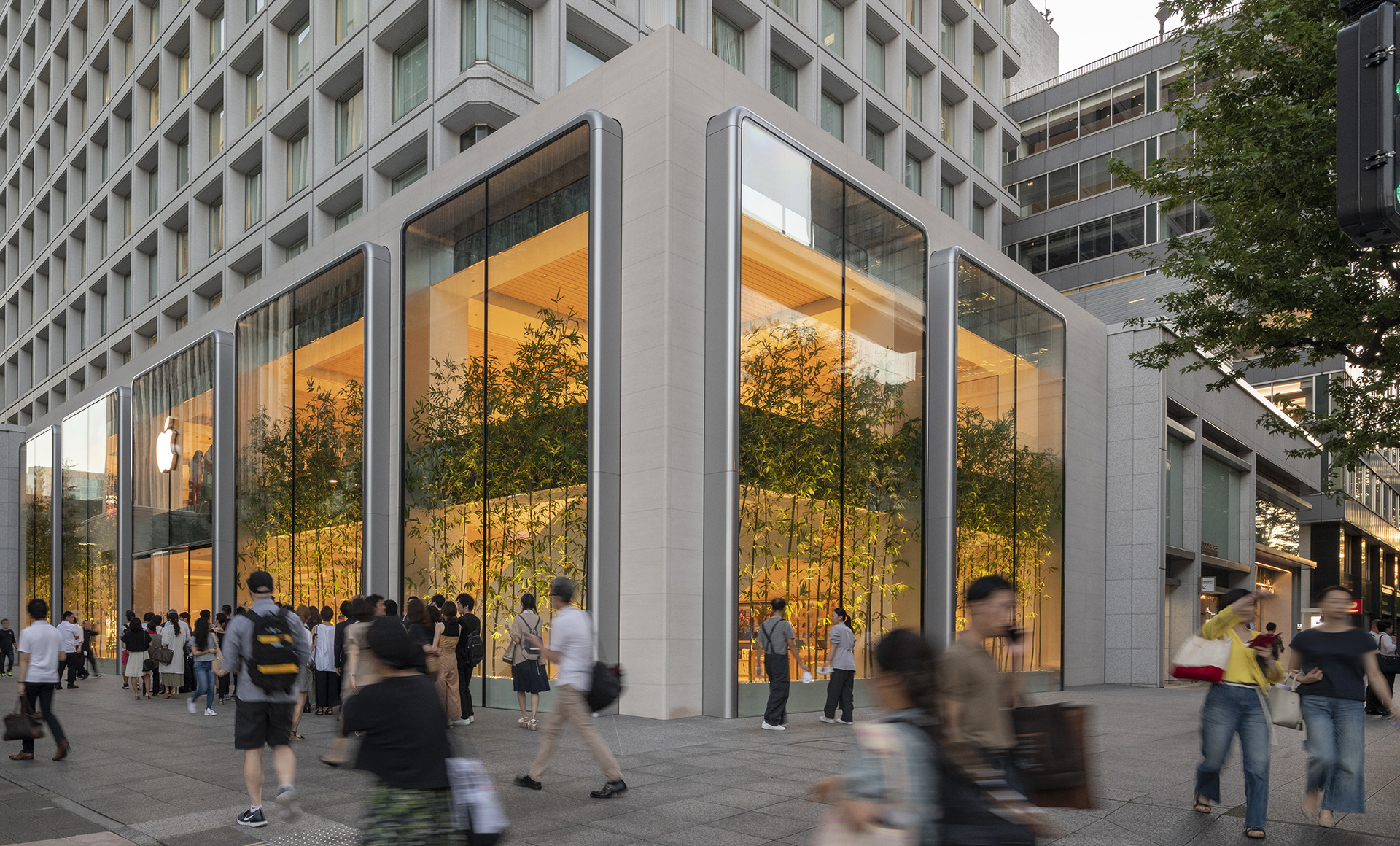 Apple Marunouchi with two storey vitrine windows | Apple Marunouchi | Foster + Partners | STIR