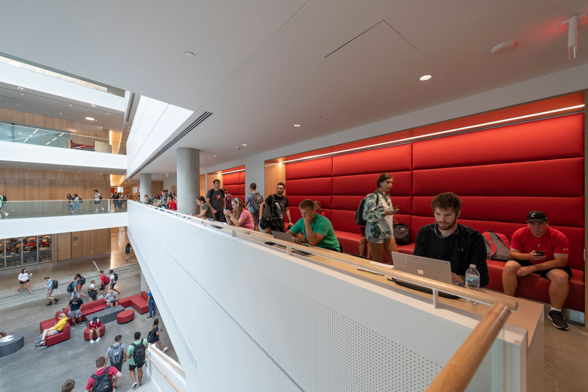 Seating spaces overlooking the vibrant atrium  | University of Cincinnati's Lindner College of Business | Henning Larsen | STIRworld