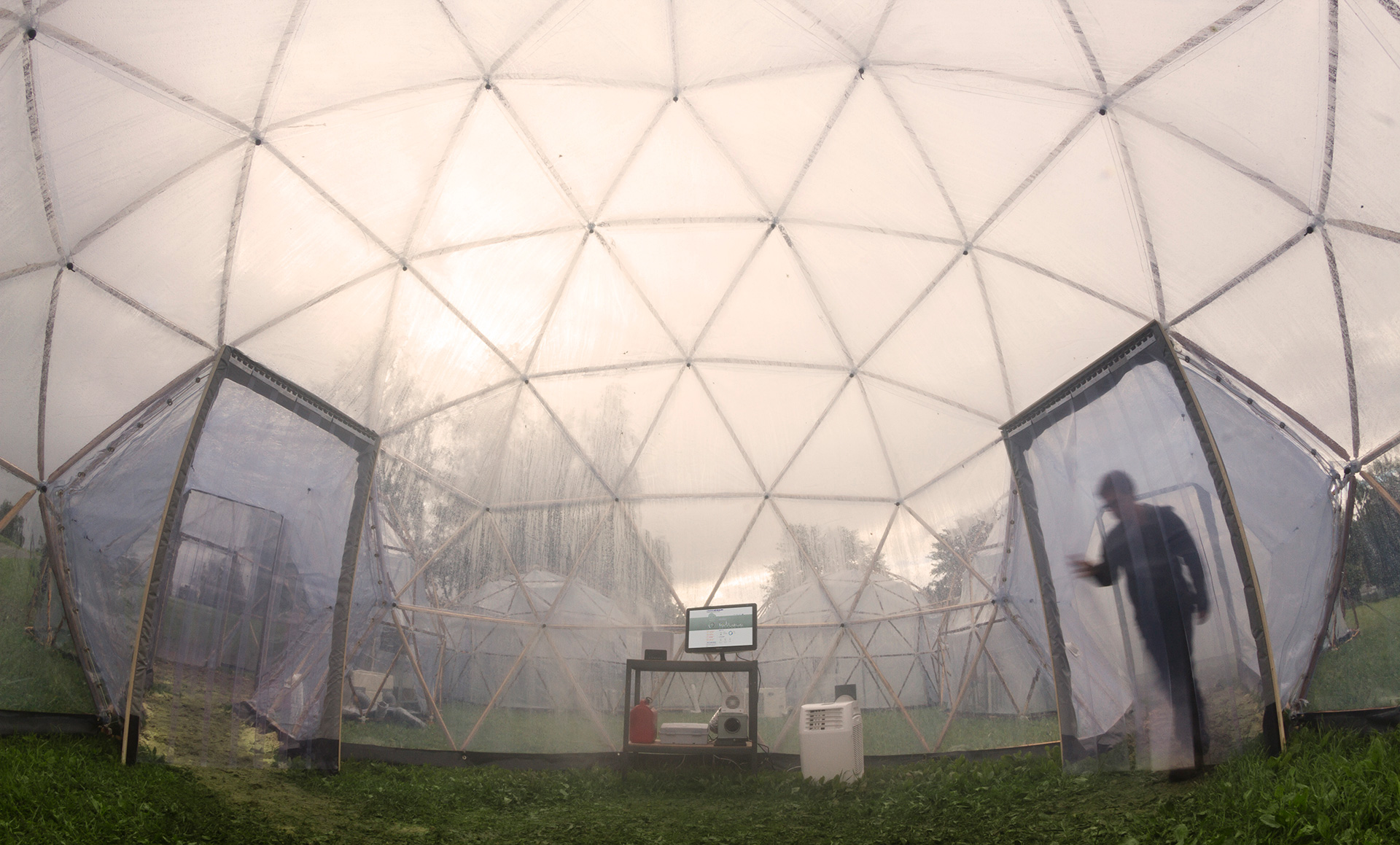 Inside the Pollution Pods visitors felt uneasy and were short of breath as each pod imitated the air quality of five international cities | Pollution Pods | Michael Pinsky | STIRworld