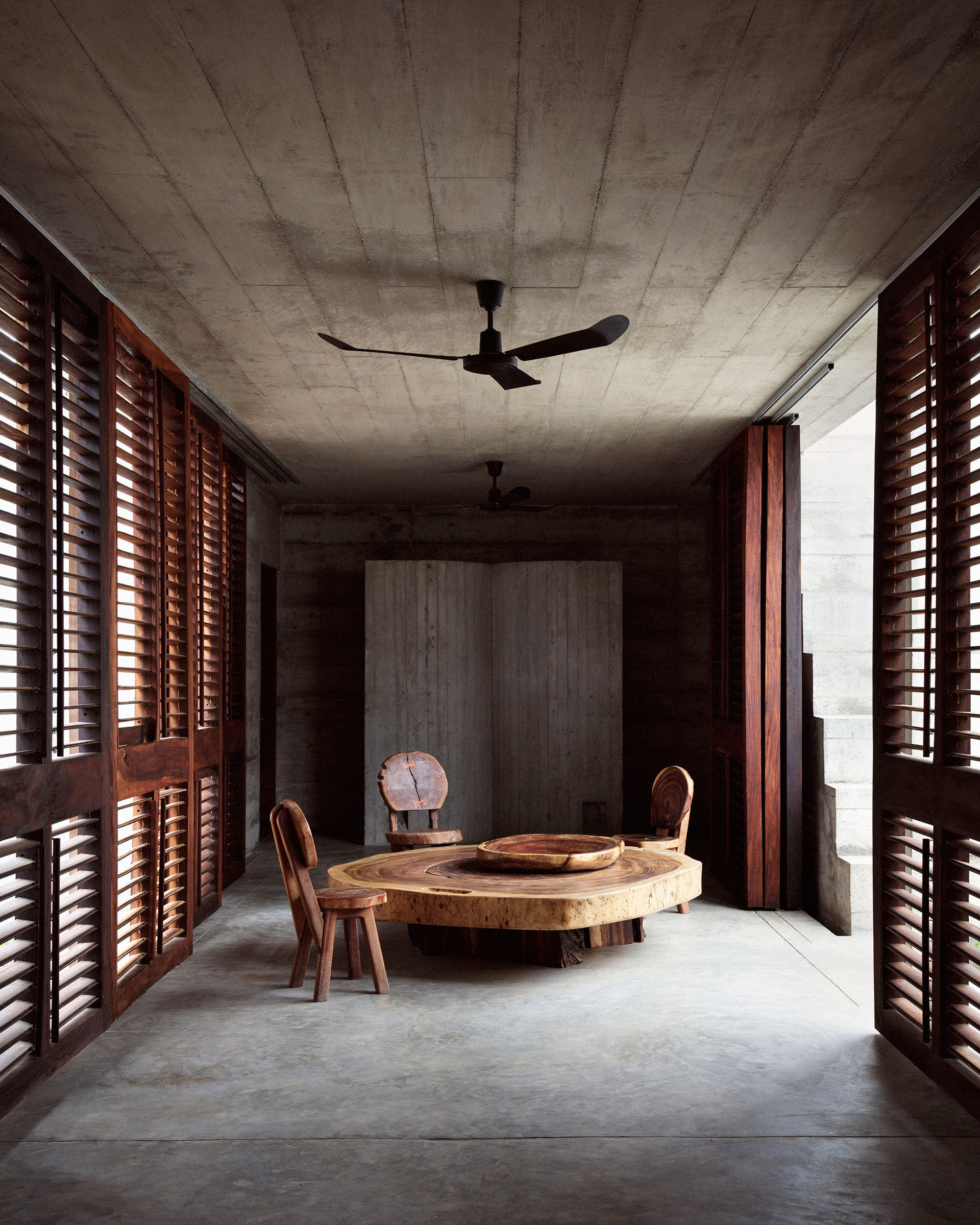 The dining area in the central courtyard | Mexico | Ludwig Godefroy |STIRworld
