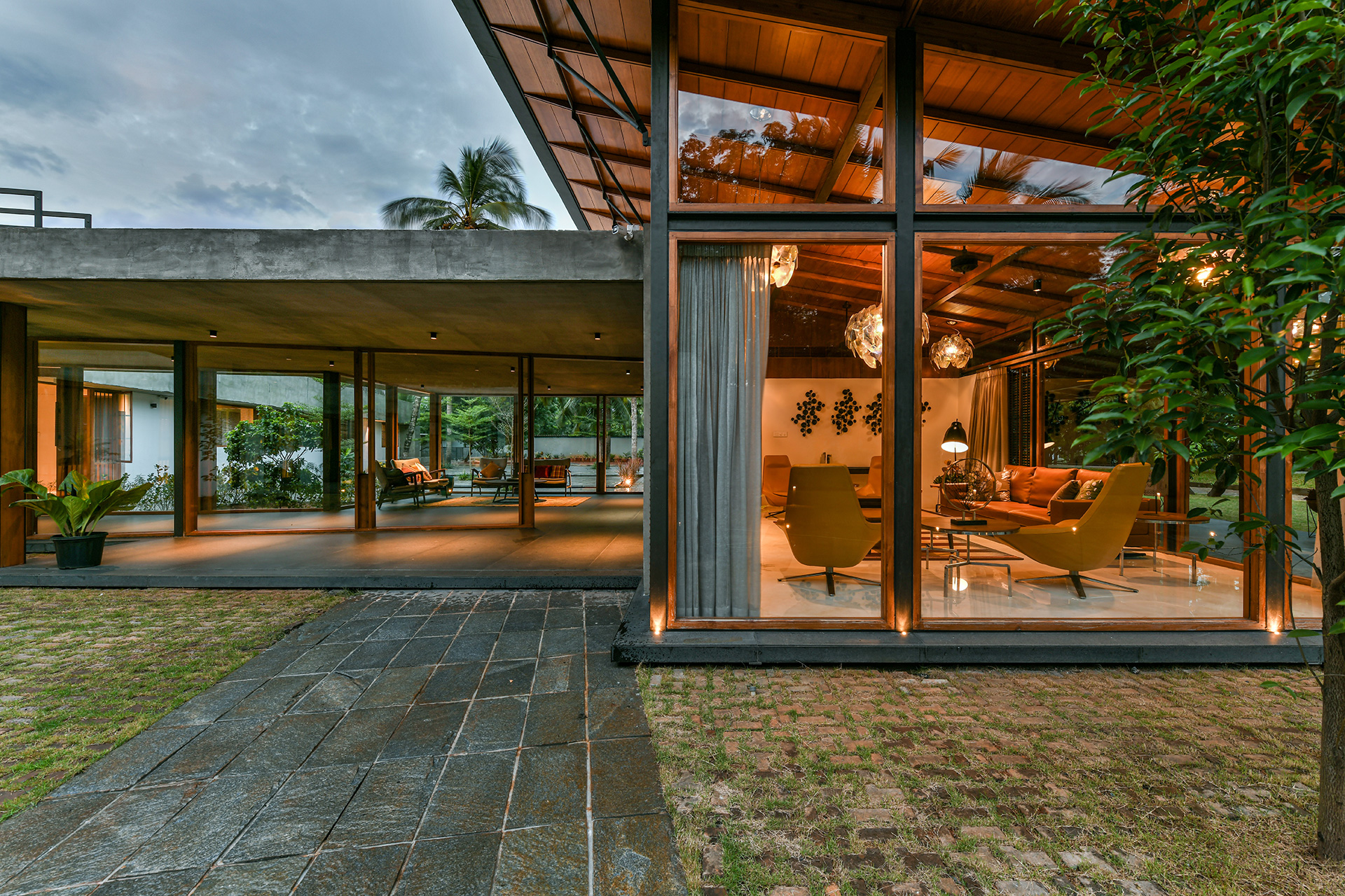The Skew House In Kerala Blends Modern Tropical Design With Traditional Architecture