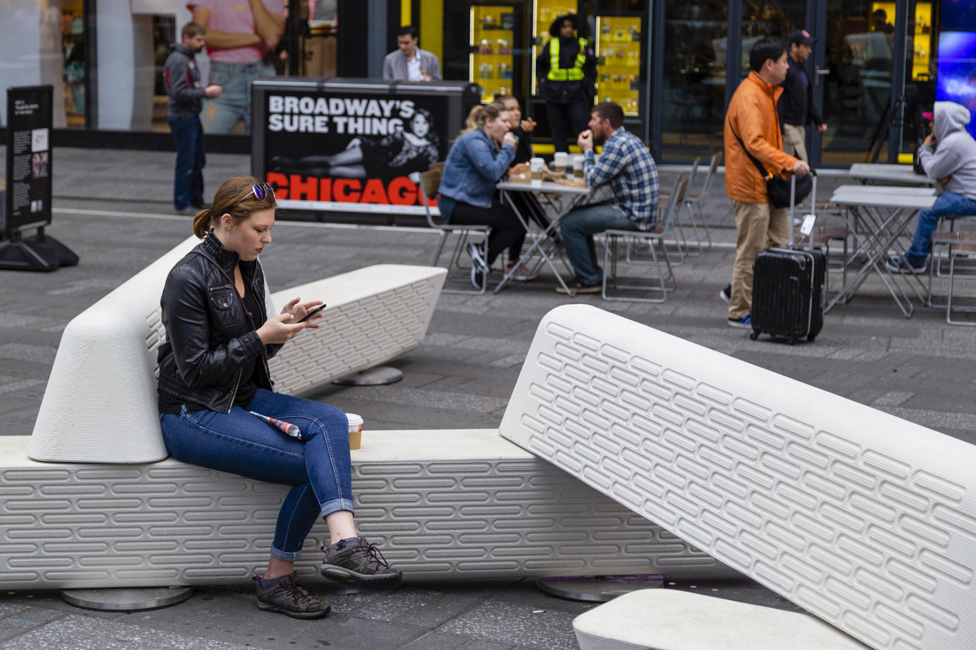 Rely protective public seating by Joe Doucet| Dezeen | Design | Awards | 2019 | STIRworld