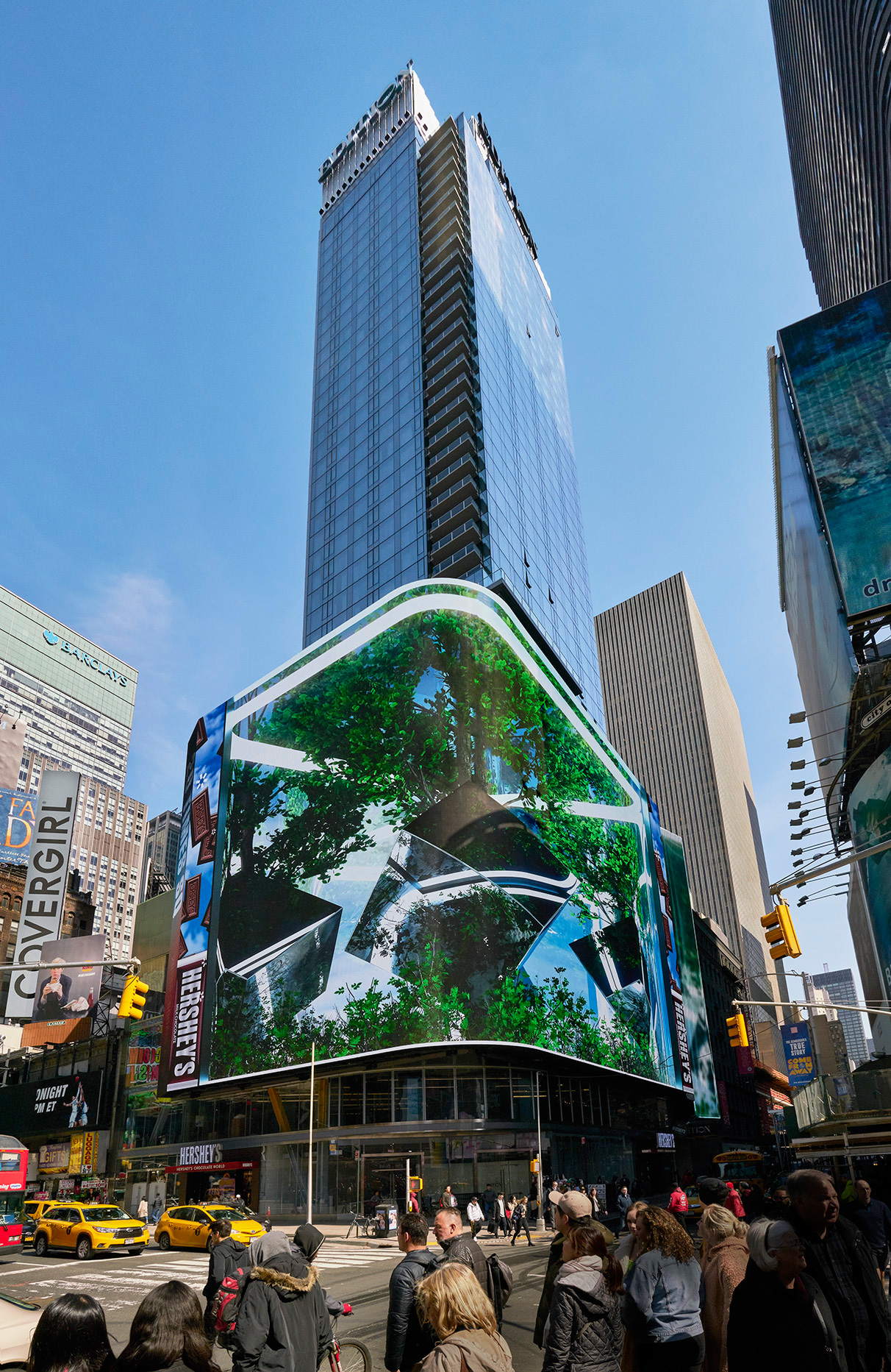 The façade on Times Square with its LED display | Times Square Edition | Yabu-Pushelberg | Ian Schrager | STIRworld