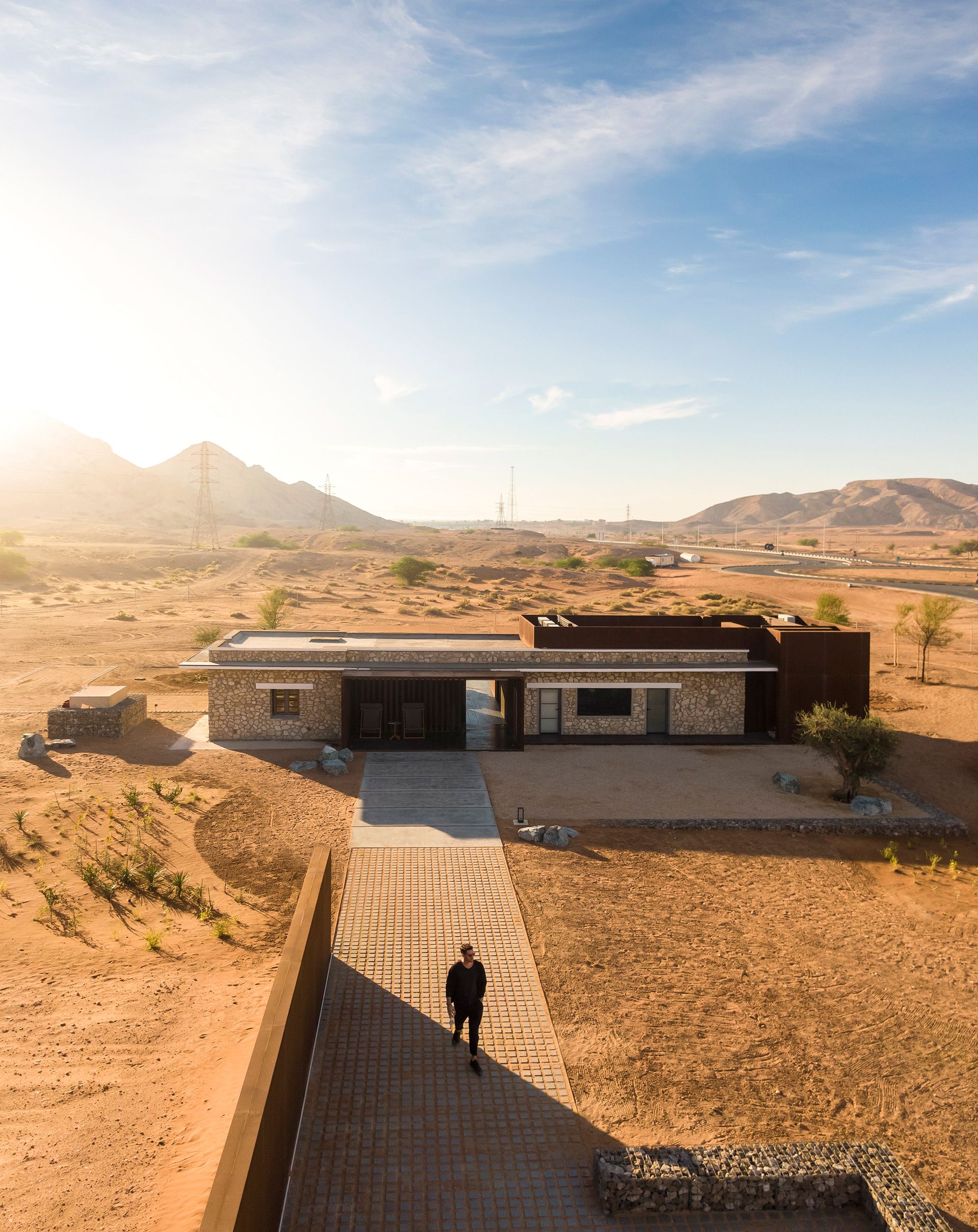 The connecting path between the buildings | Al Faya Lodge | Anarchitect | STIRworld