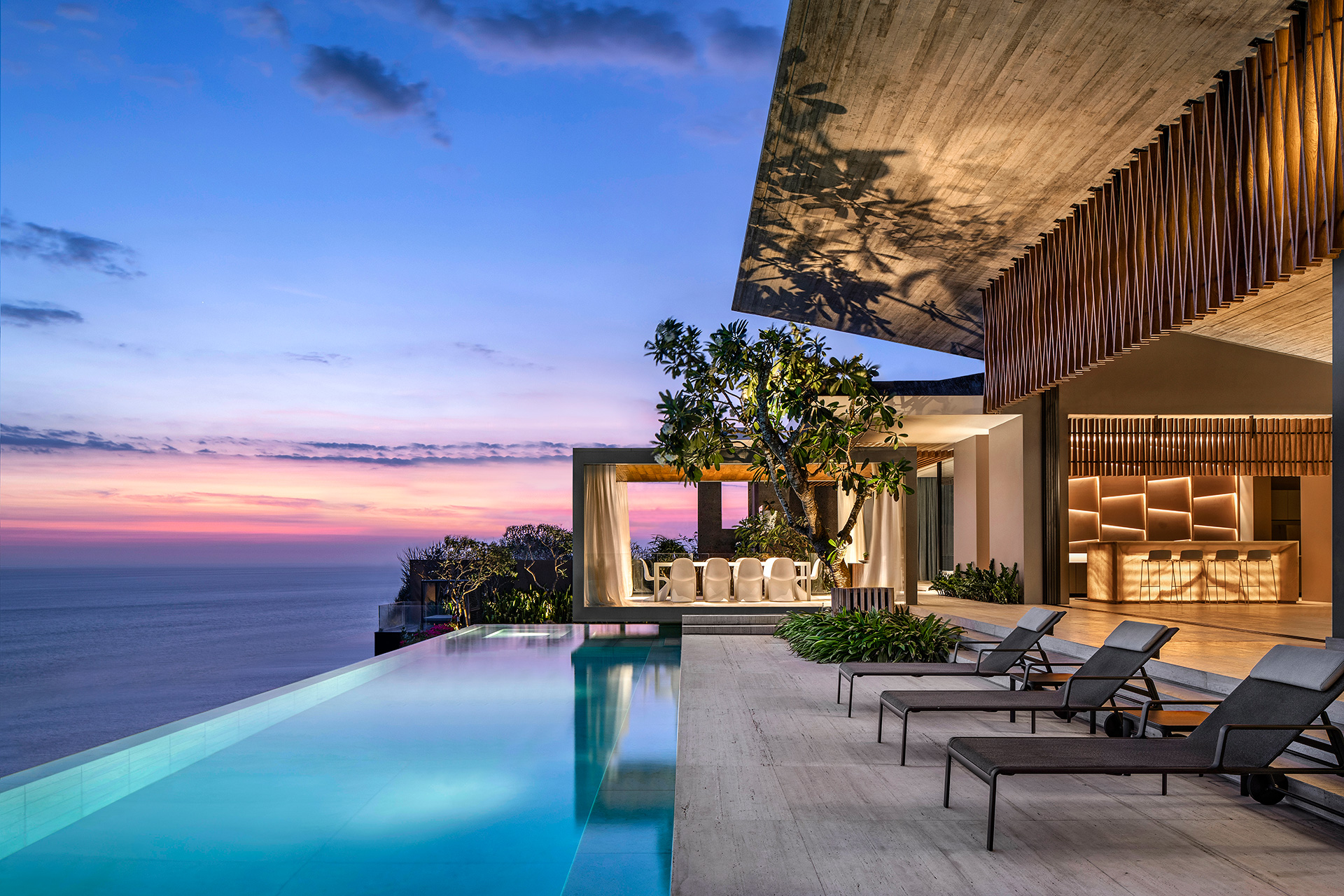 Pool terrace looking outwards and embracing the views of the ocean | Uluwatu House | SAOTA | STIRworld