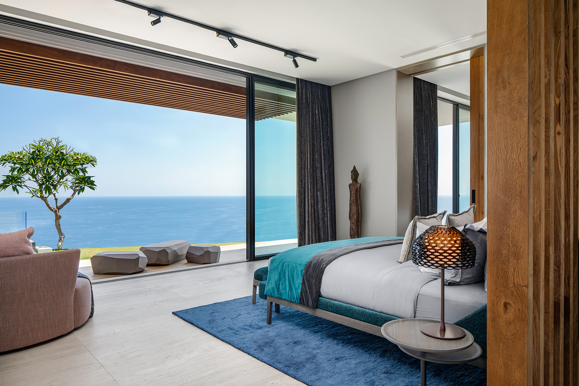 The interiors frame fascinating views of the ocean | Uluwatu House | SAOTA | STIRworld