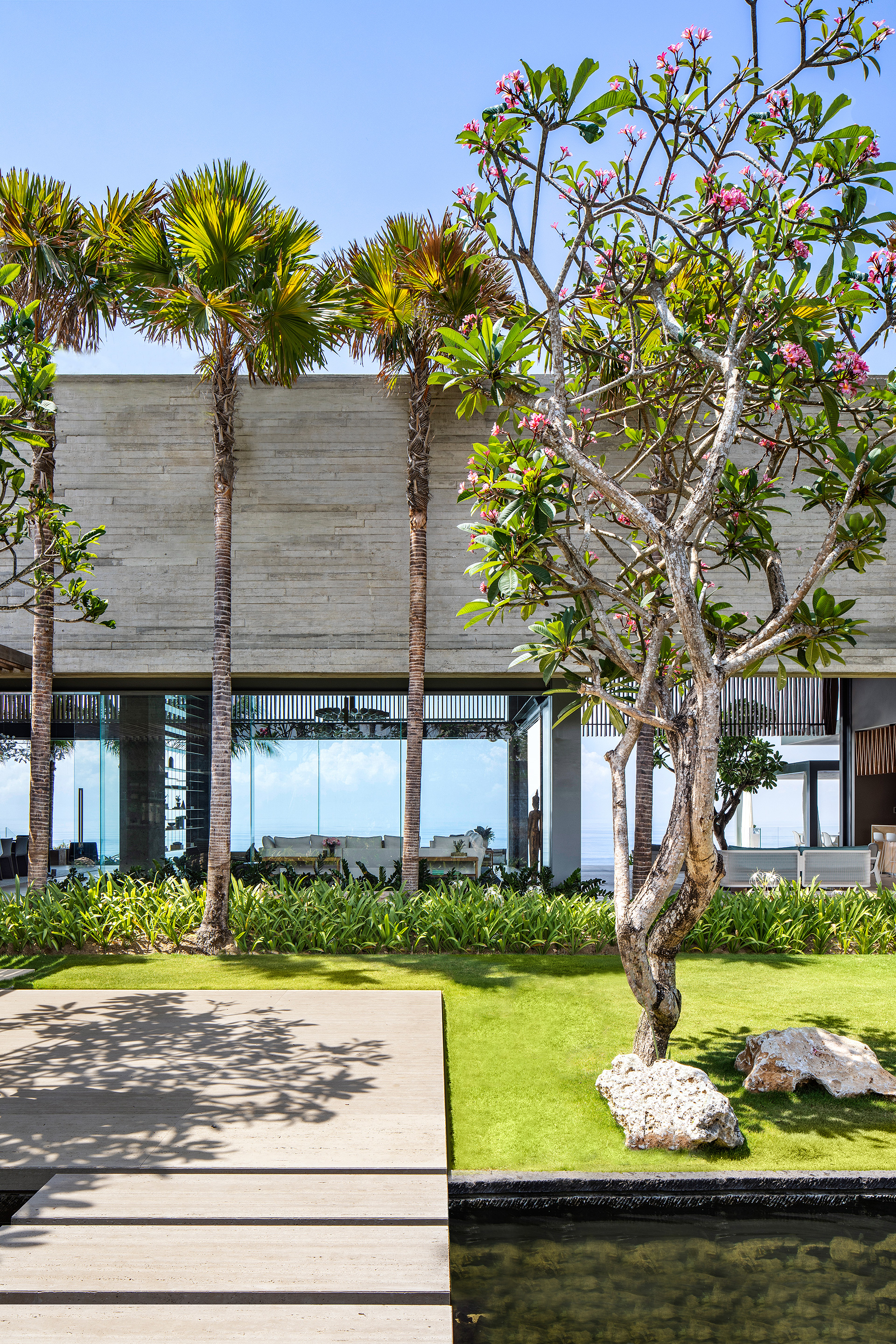 Garden and planting terraces are deftly woven within the built fabric | Uluwatu House | SAOTA | STIRworld