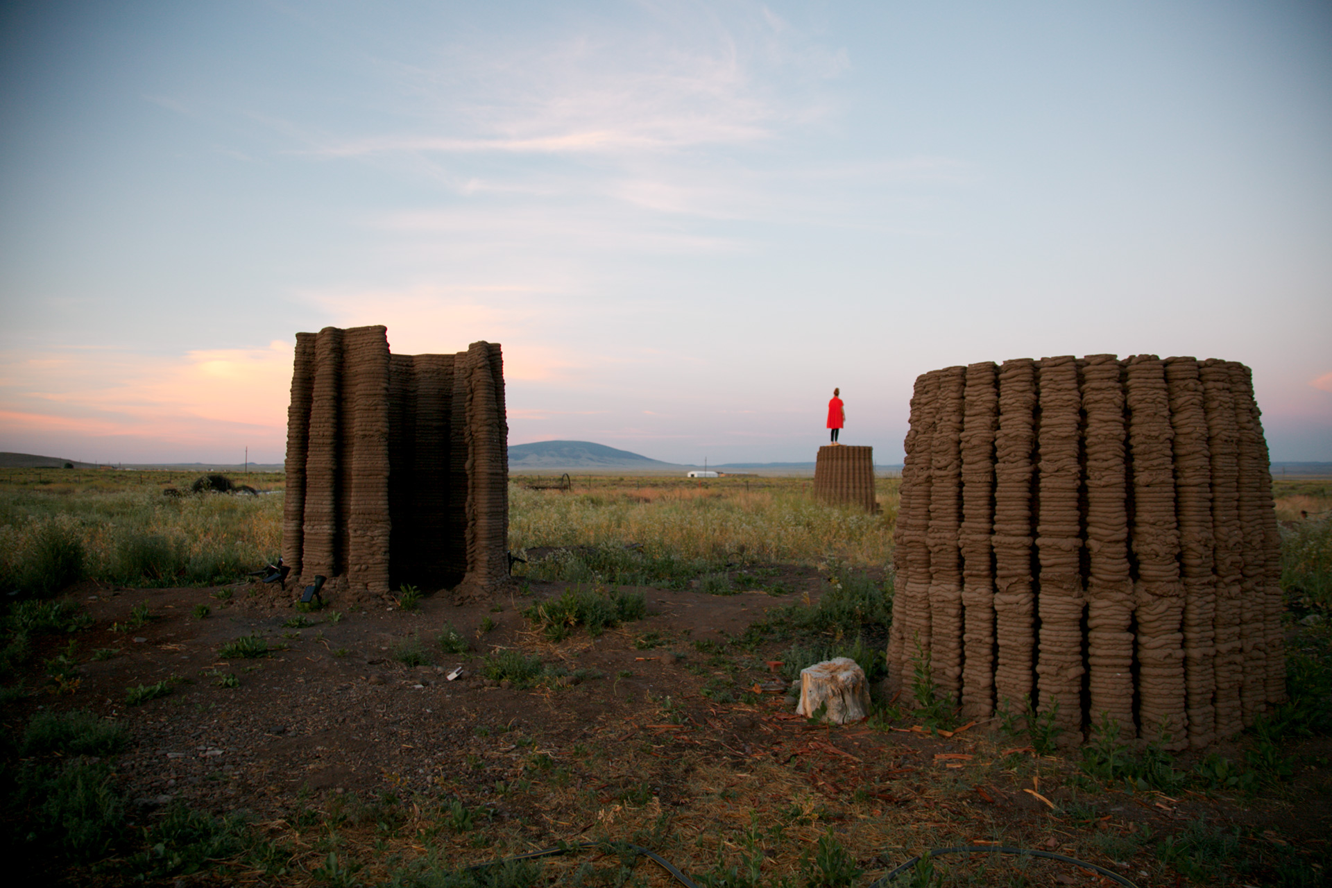 The project created four prototypes of mud structures exploring possibilities of 3D printed low-cost ecological construction | Mud Frontiers | Emerging Objects | STIRworld