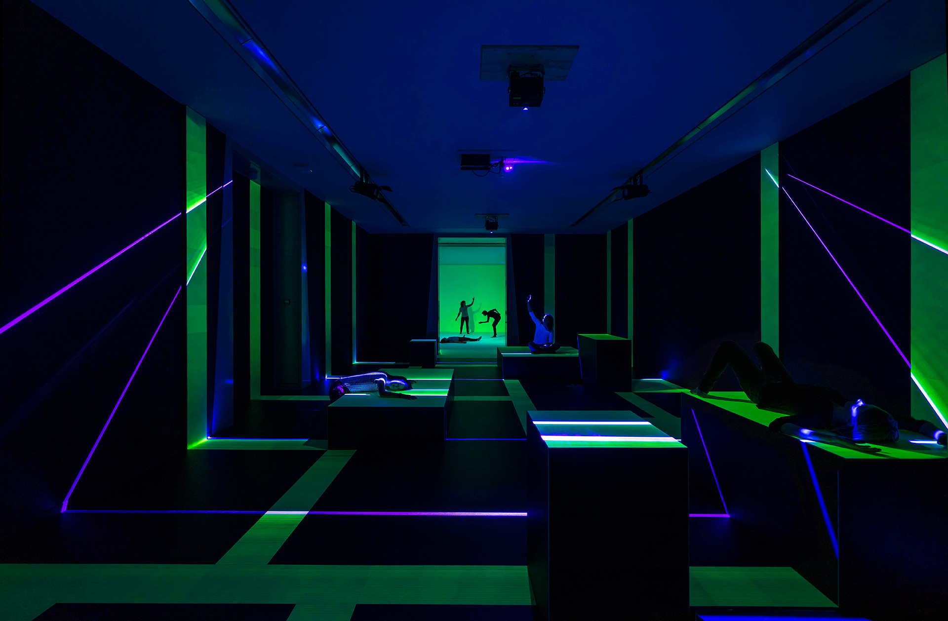 Light and light-sensitive elements make up this installation| Presence | Daan Roosegaarde | Groninger Museum| STIRworld