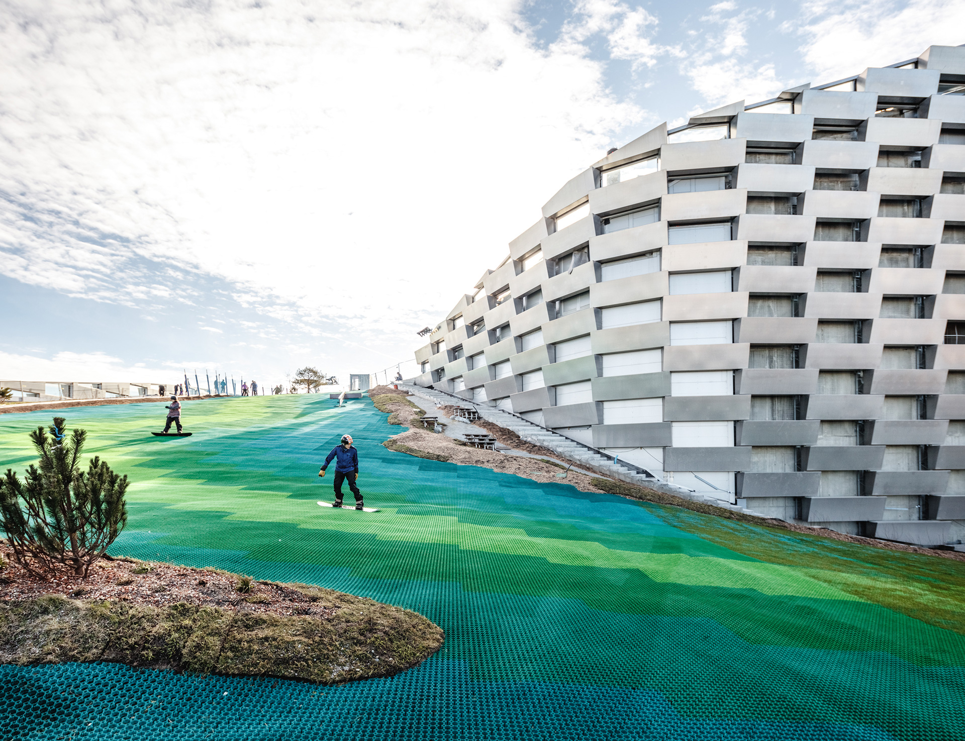 Locals and tourists can ski on the roof of the waste-to-energy plant throughout the year | Copenhill | Denmark | BIG | Bjarke Ingles Group | STIRworld