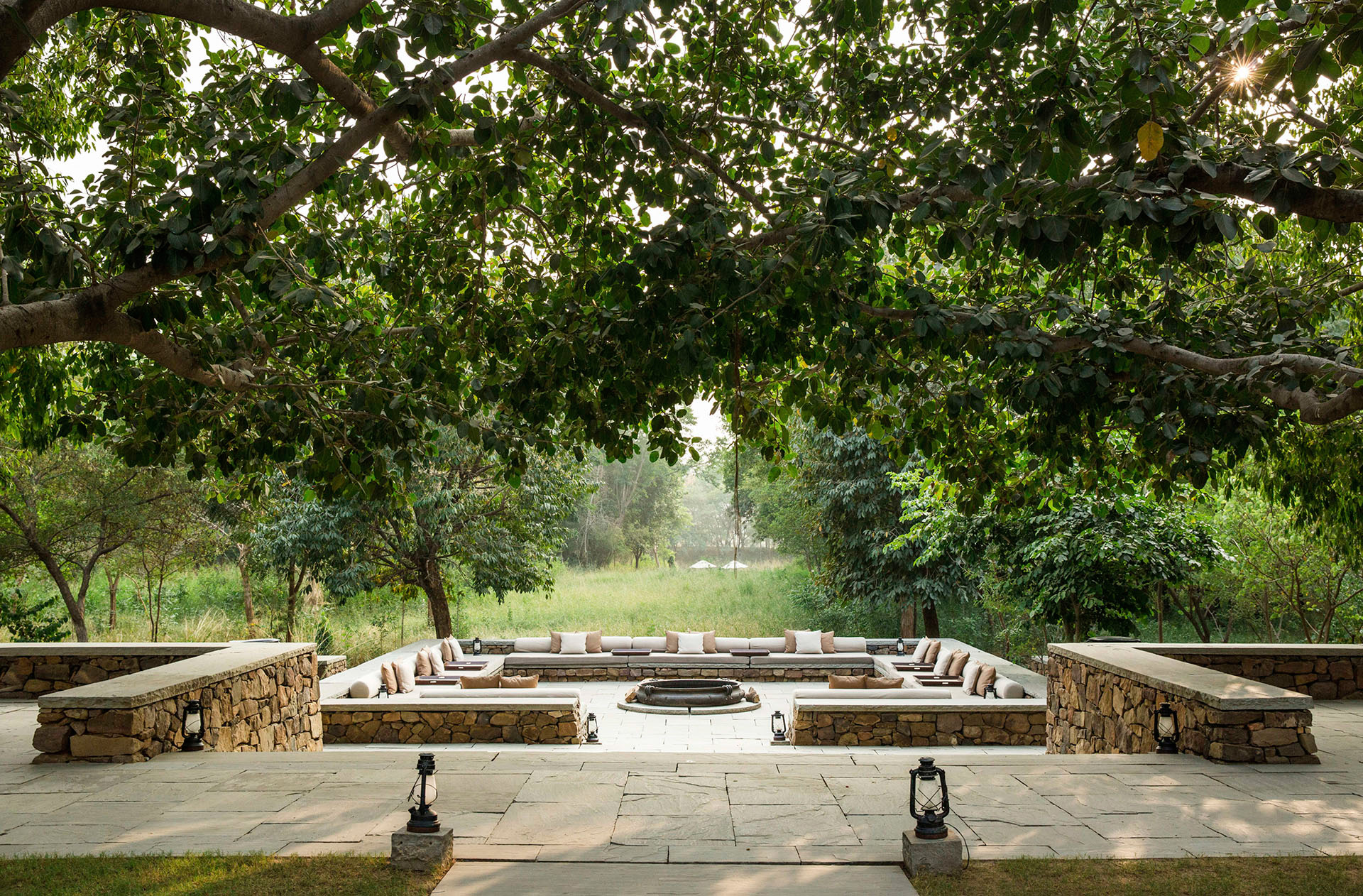 Communal firepit at the Aman-i-khas, Ranthambore, Rajasthan |Glamping| Resorts | STIRworld