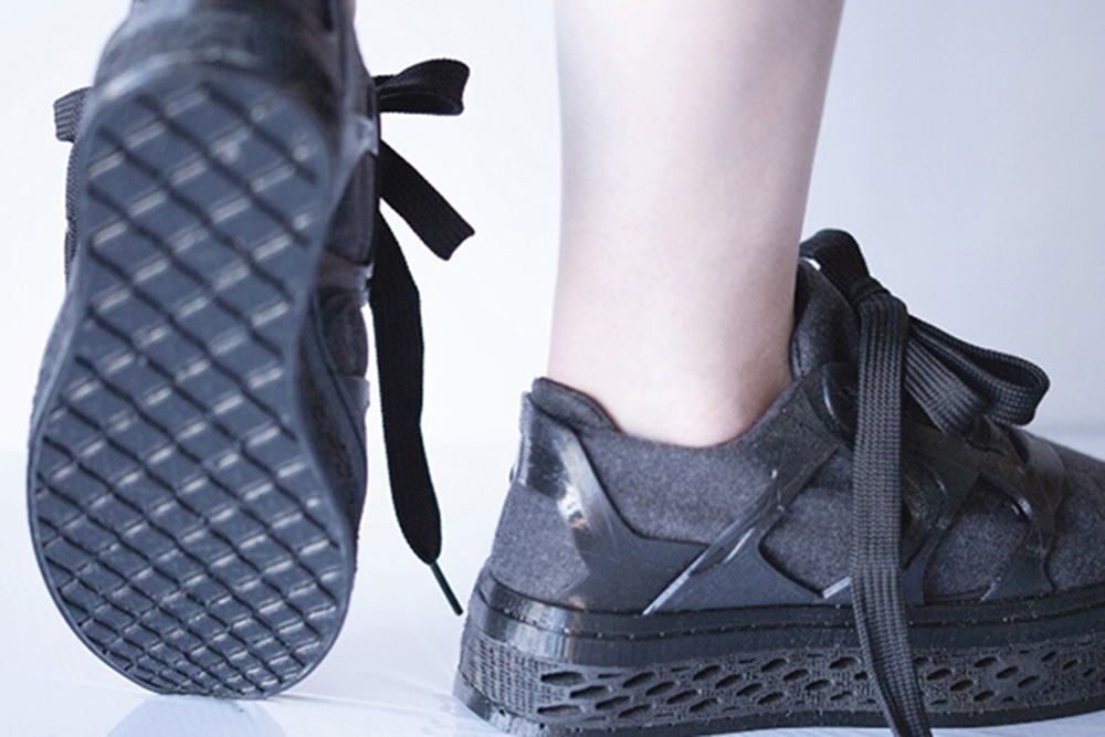 E-shoes designed by Ana Correa| Reshape19 Cognified matter |Reshape| STIRworld