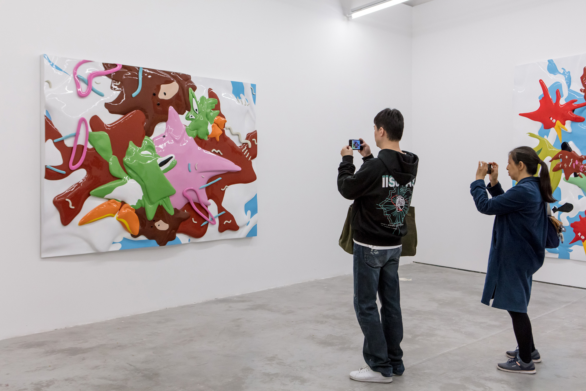 Communication explores the boundaries between figuration and abstraction, two-dimensional and three-dimensional, popular culture and conceptual art | Xu Zhen | Hello | MadeIn Gallery | STIRworld