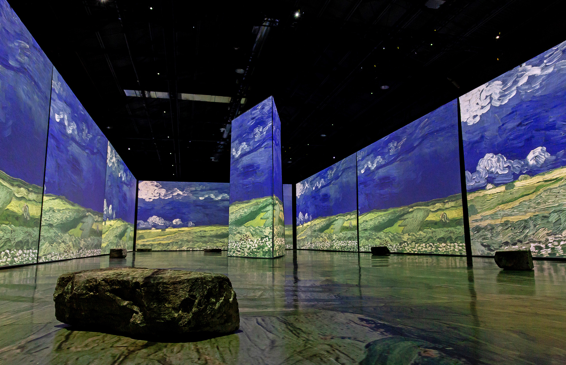 The exhibition uses advanced techniques of multi-projection and immersive audio that enable the viewer to dive deep into the heart of Van Gogh's works | Imagine Van Gogh | STIRworld
