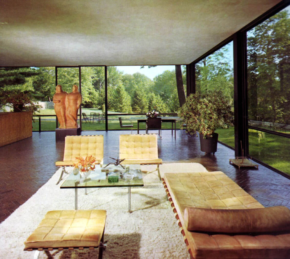 A glimpse of the interiors of the Glass House | Philip Johnson | STIRworld