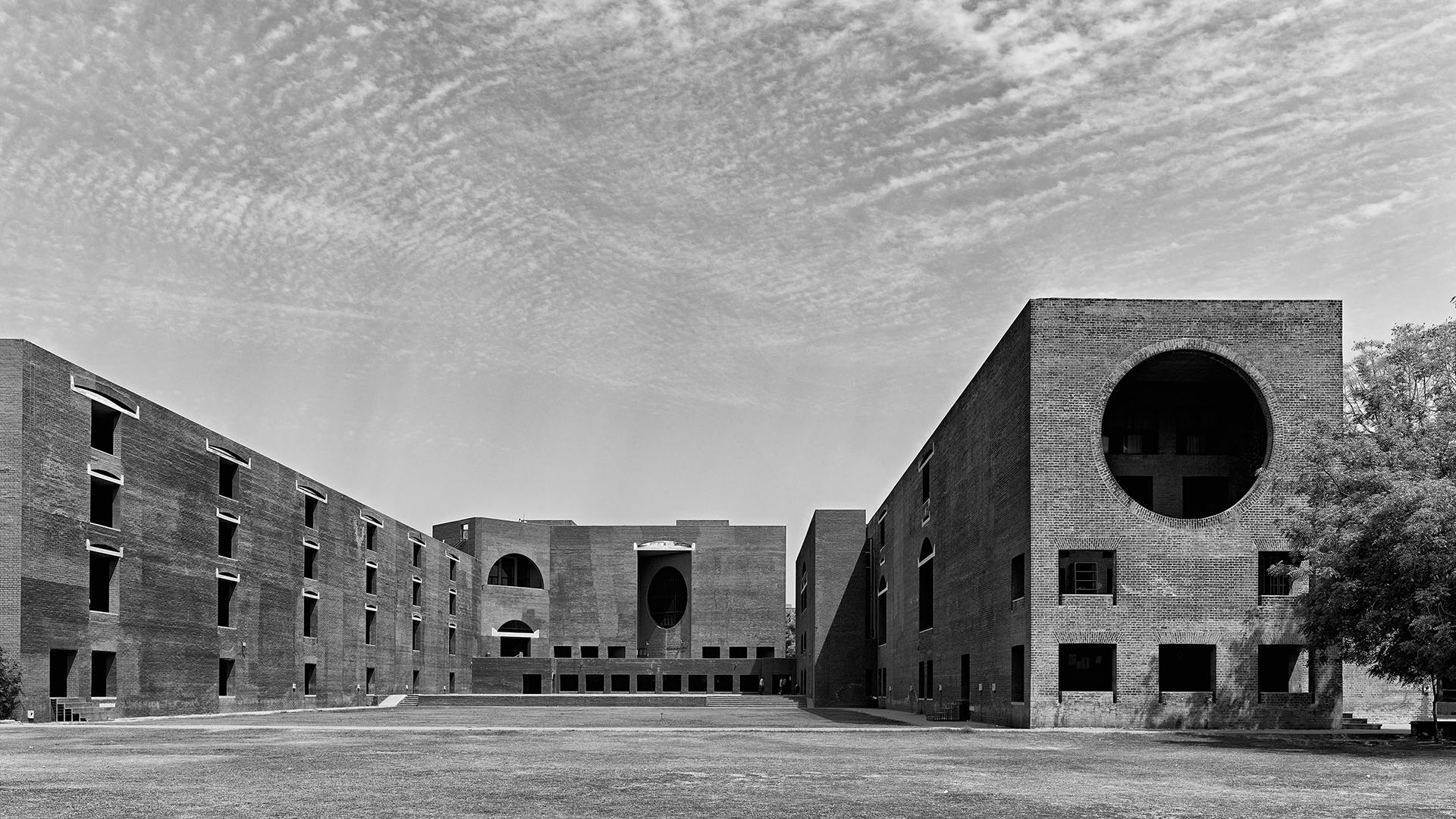 The Indian Institute of Management in Ahmedabad, India (1962-74) | Miracles in Concrete | Louis I Kahn | STIRworld