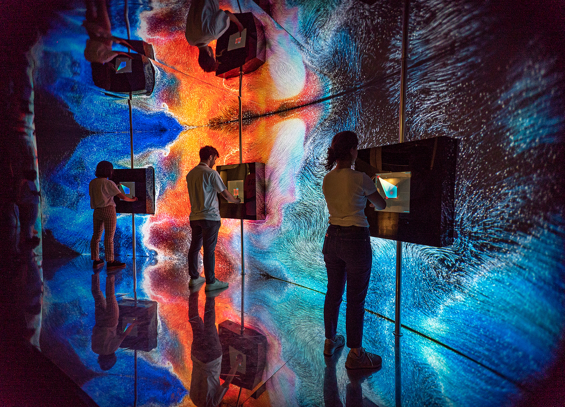 The installation uses custom software, Ableton, TouchDesigner and openFrameworks to create this interactive experience | Arkhe | Nohlab | DECOL | STIRworld
