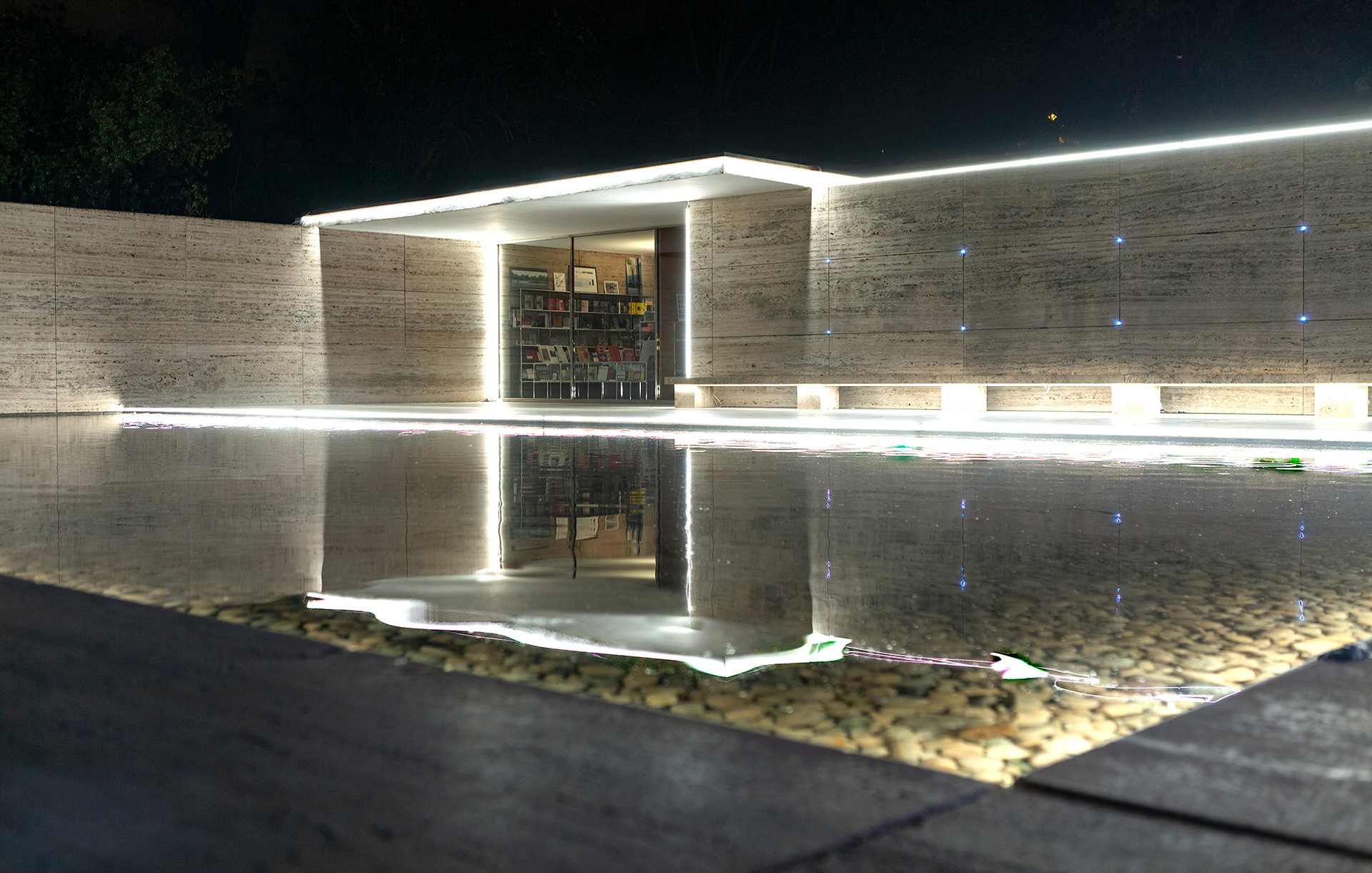Illuminated travertine pavers, walls and the reflecting pond  | Big Bang Building Light! | Mario Pasqualotto | STIRworld