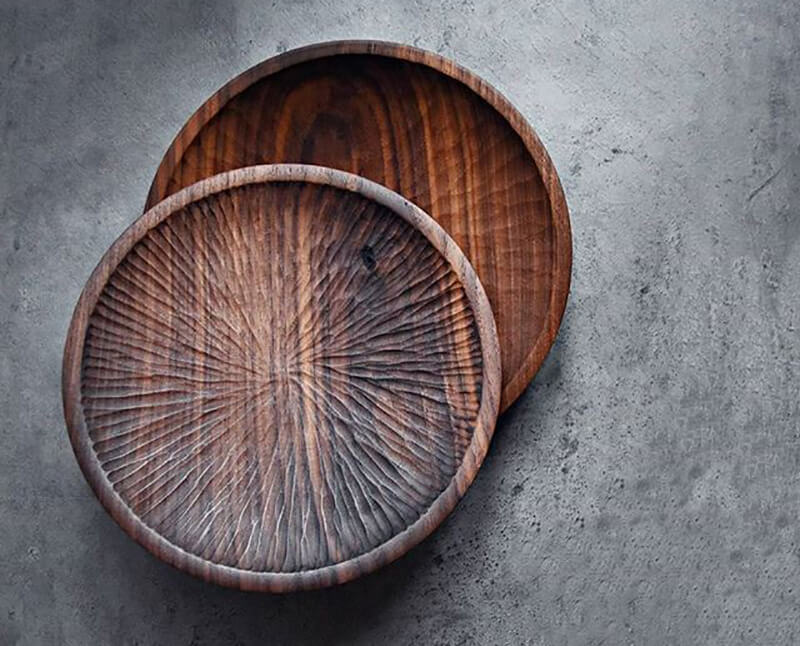 Round wooden plate by Andreas Emanuel Söderlund | Andreas Emanuel Söderlund | 10 wood sculptors you should know | STIRworld