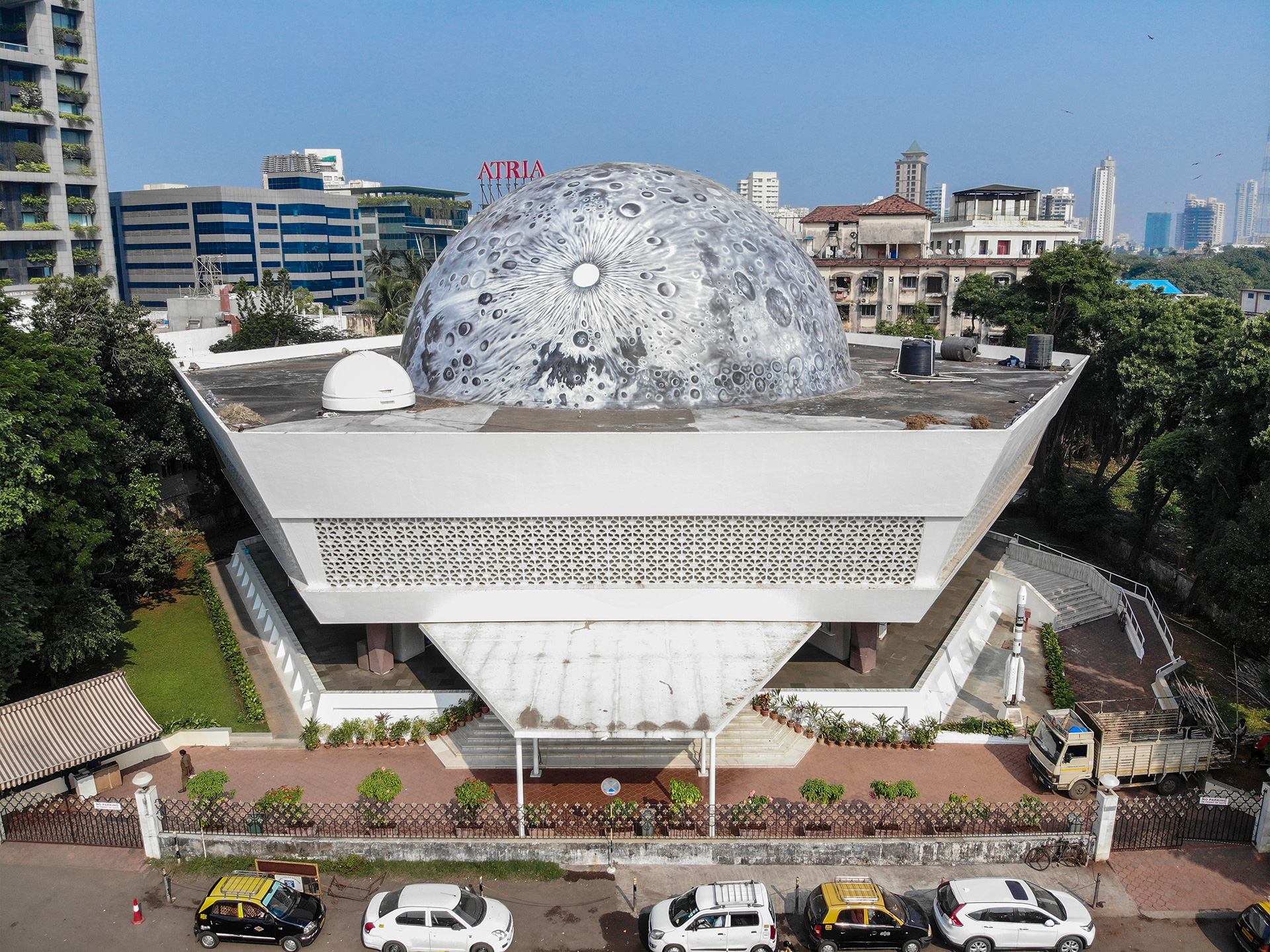 The white dome on the terrace of Nehru Planetarium in Mumbai | Lunar Dome | Asian Paints | Sideways| St+Art India | STIRworld