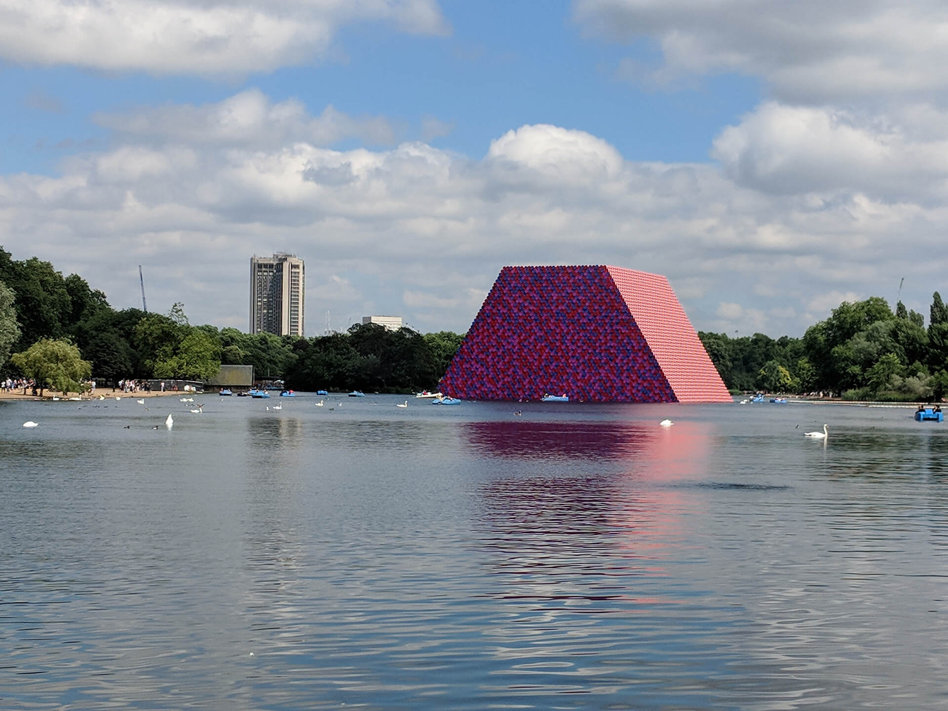 The London Mastaba by Christo and Jeanne-Claude | The London Mastaba | Christo and Jeanne-Claude| STIRworld