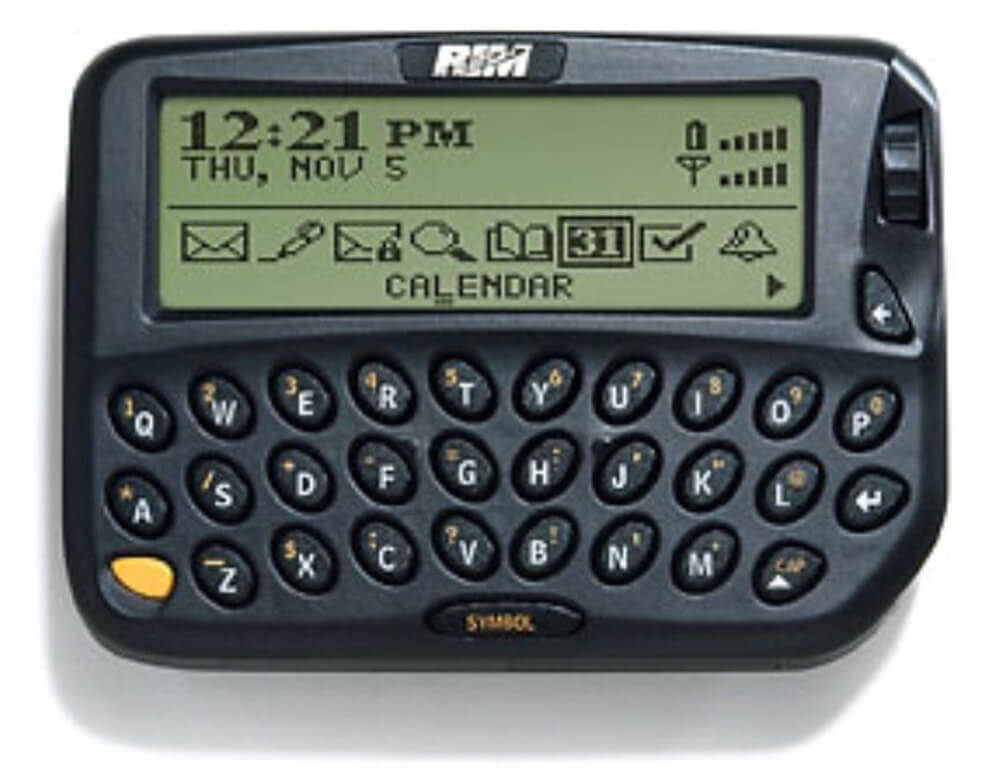 The first Blackberry 850 shifted the paradigm in communications | Digital Legacies | Julius Wiedemann | STIRworld