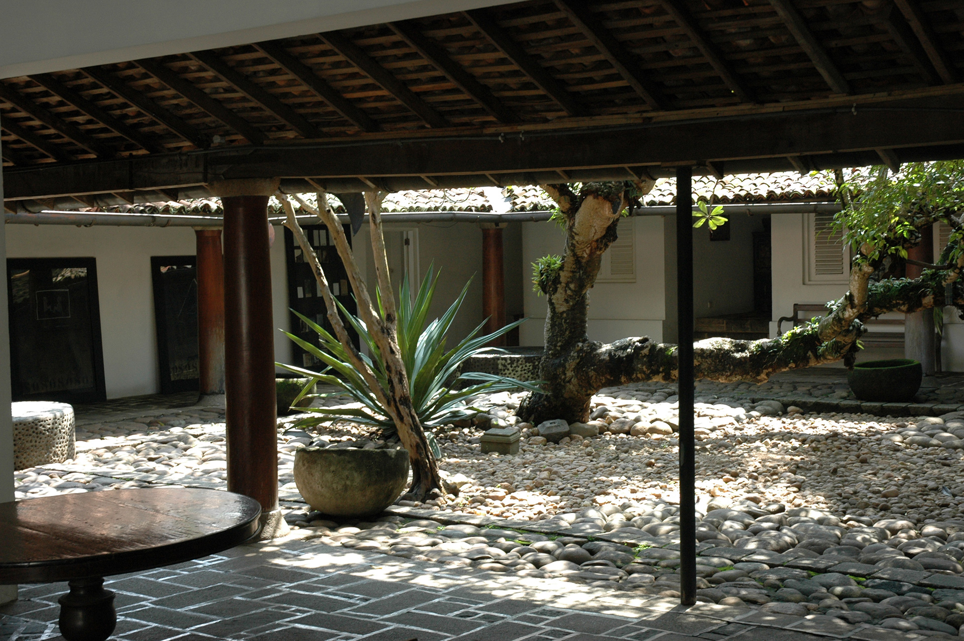 Courtyard of the Ena de Silva house | Geoffrey Bawa | David Robson | STIR